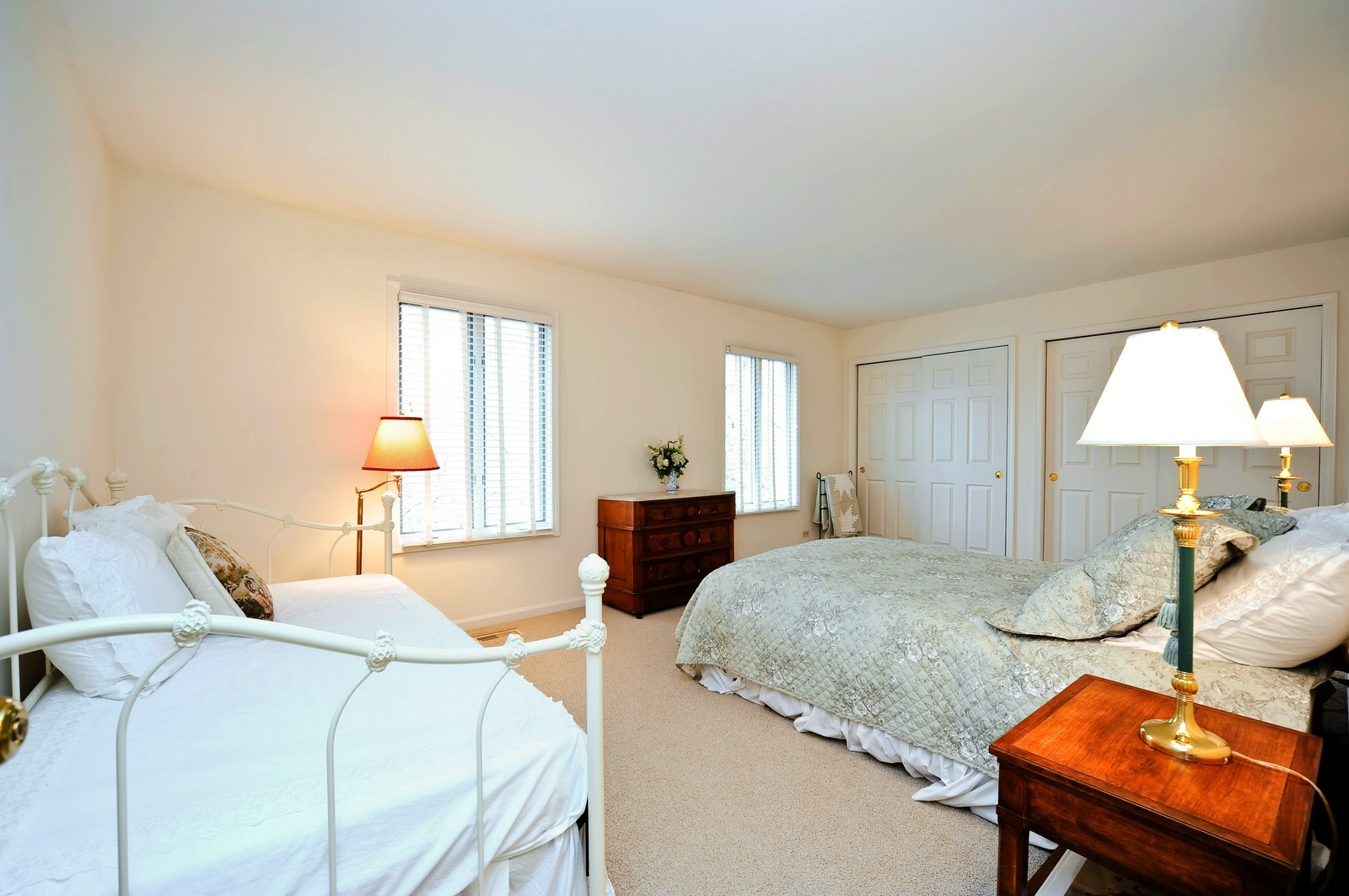 Real Estate Photography - 55 Greenwich Court, Lake Bluff, IL, 60044 - 2nd Bedroom