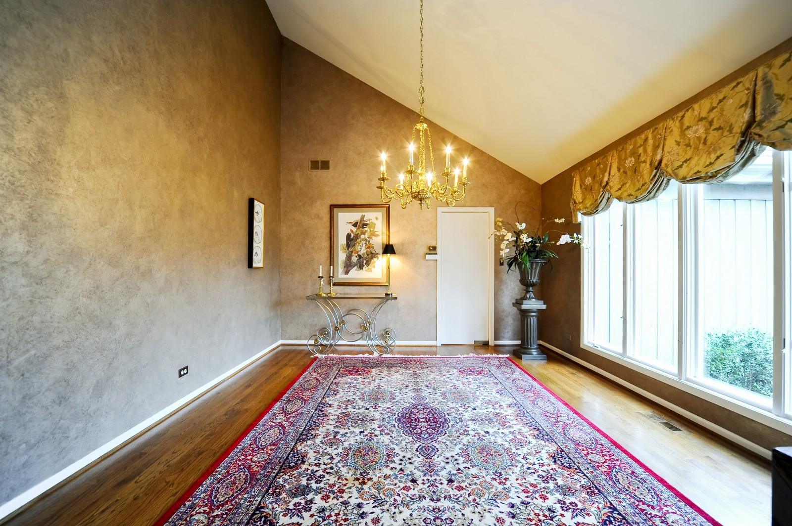 Real Estate Photography - 55 Greenwich Court, Lake Bluff, IL, 60044 - Dining Room
