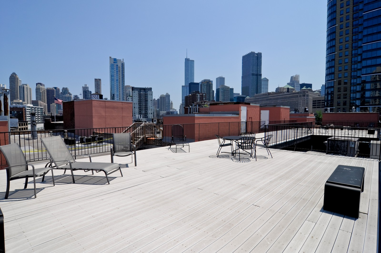 Real Estate Photography - 550 N Kingsbury, Unit 113, Chicago, IL, 60654 - Roof Deck