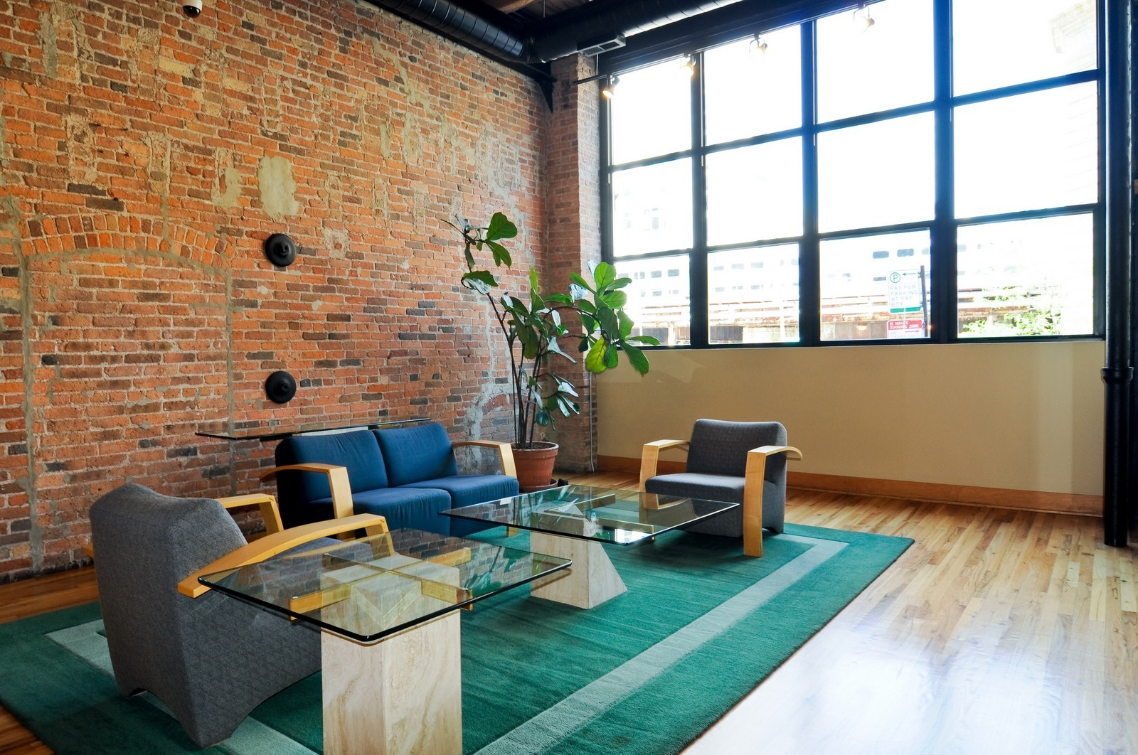 Real Estate Photography - 226 N Clinton, Apt 427, Chicago, IL, 60661 - Lobby