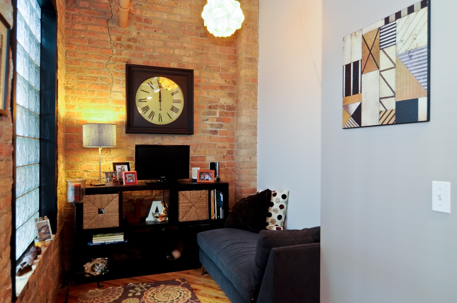 Real Estate Photography - 226 N Clinton, Apt 427, Chicago, IL, 60661 - Office