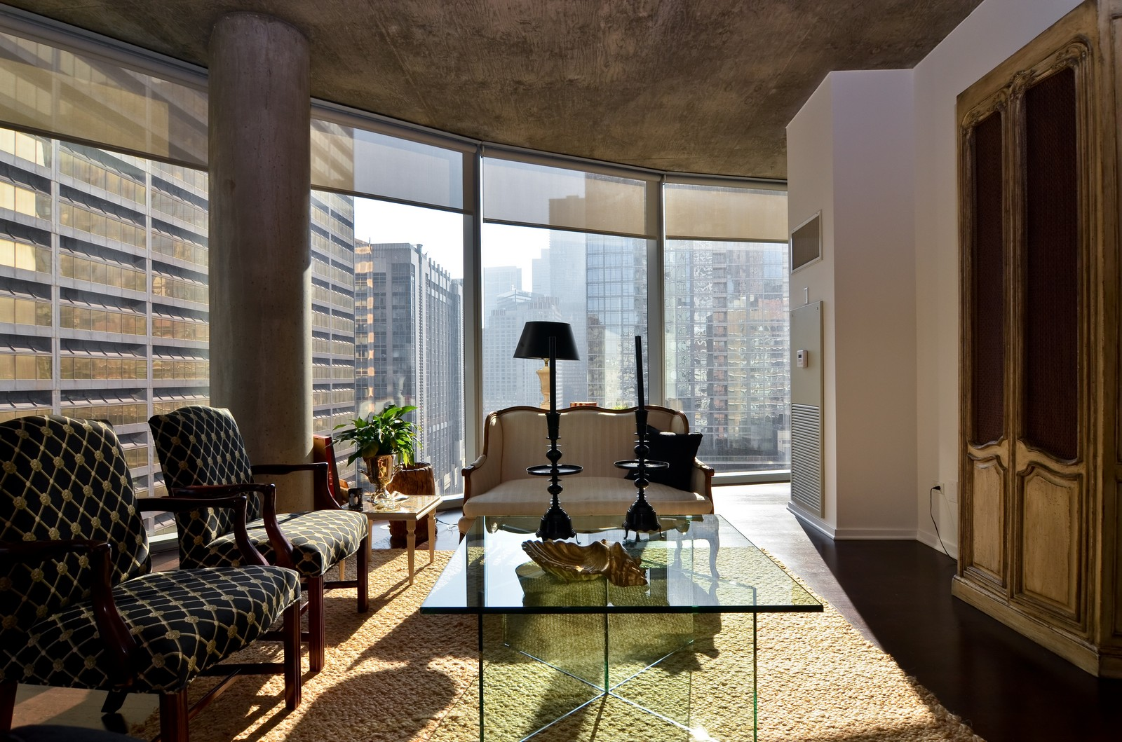 Real Estate Photography - 600 N Fairbanks, Unit 1801, Chicago, IL, 60611 - Living Room