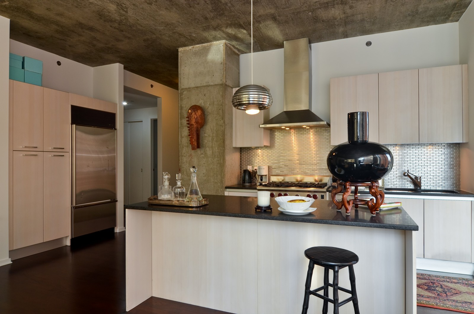 Real Estate Photography - 600 N Fairbanks, Unit 1801, Chicago, IL, 60611 - Kitchen