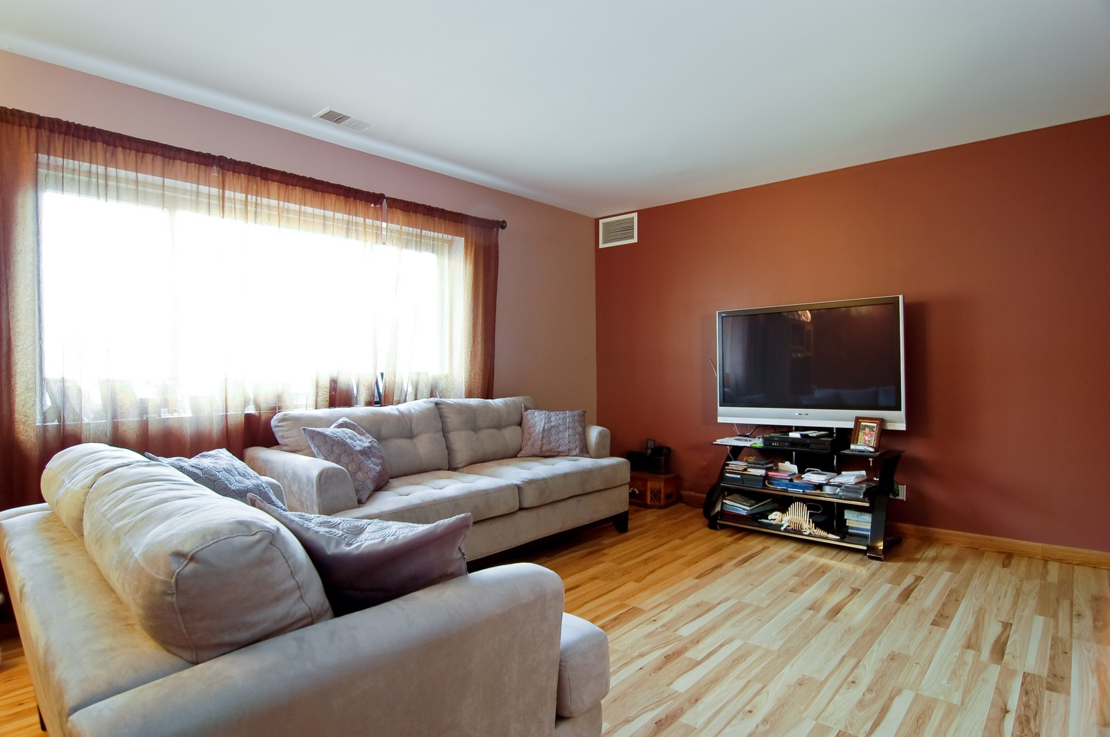 Real Estate Photography - 640 Perrie Dr, Unit 301, Elk Grove Village, IL, 60007 - Living Room