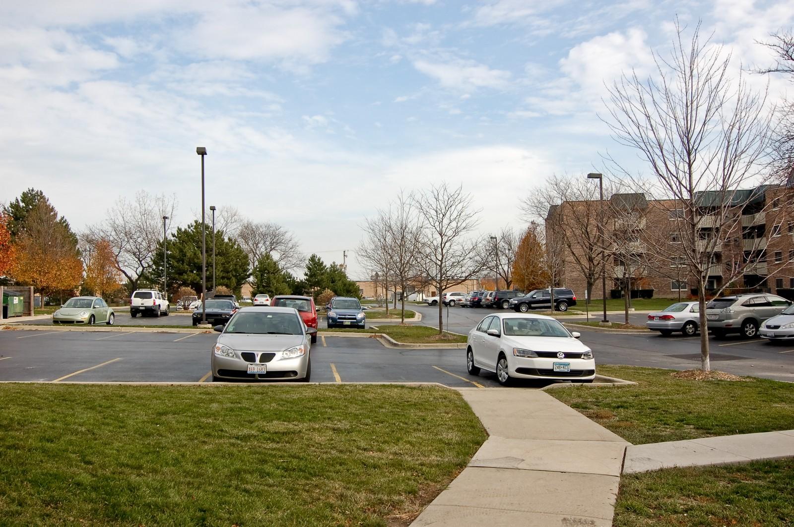 Real Estate Photography - 640 Perrie Dr, Unit 301, Elk Grove Village, IL, 60007 - Location 1