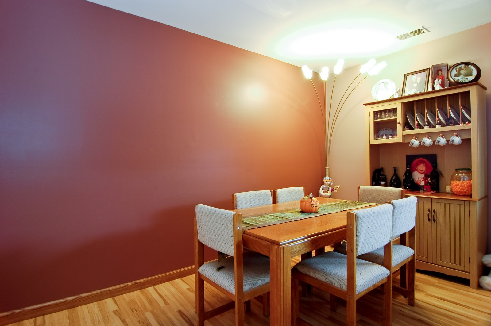 Real Estate Photography - 640 Perrie Dr, Unit 301, Elk Grove Village, IL, 60007 - Dining Room