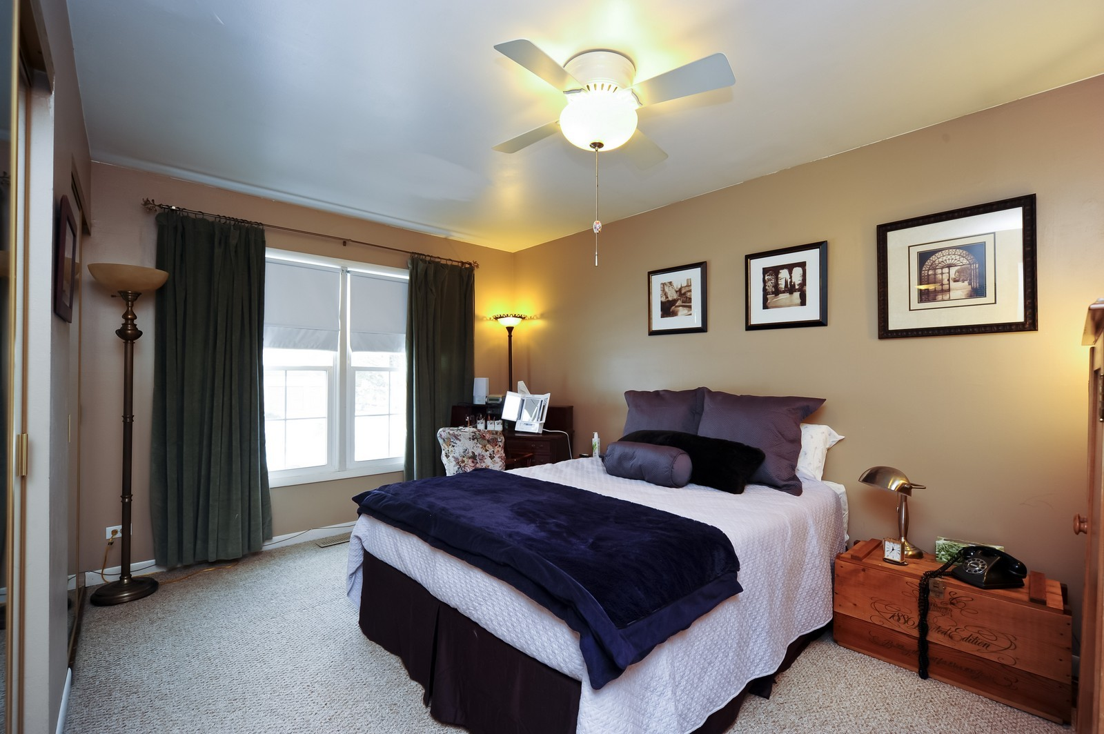 Real Estate Photography - 3 E Hintz, Arlington Heights, IL, 60004 - Guest Bedroom