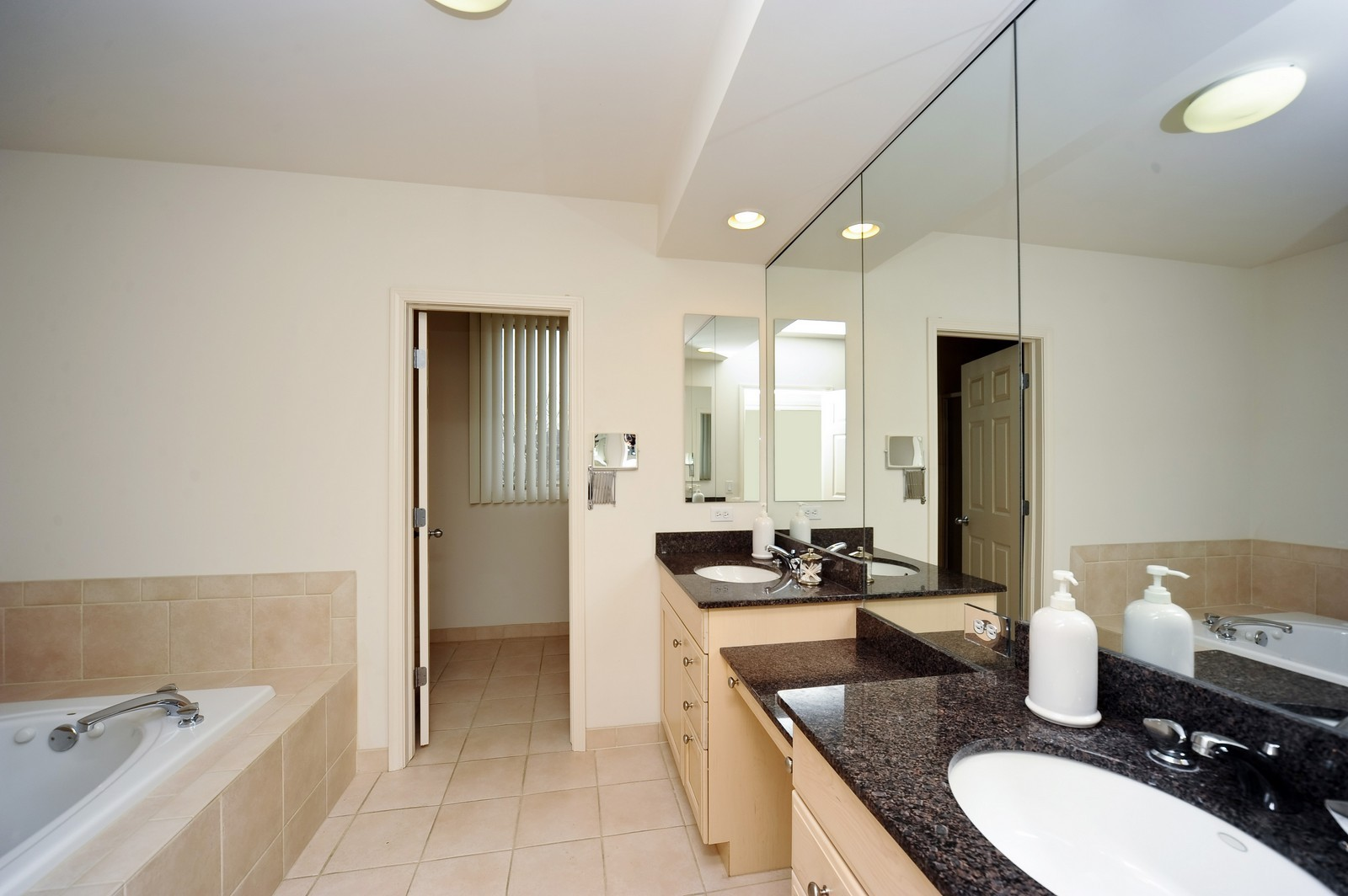 Real Estate Photography - 880 Spyglass, Highland Park, IL, 60035 - Master Bathroom