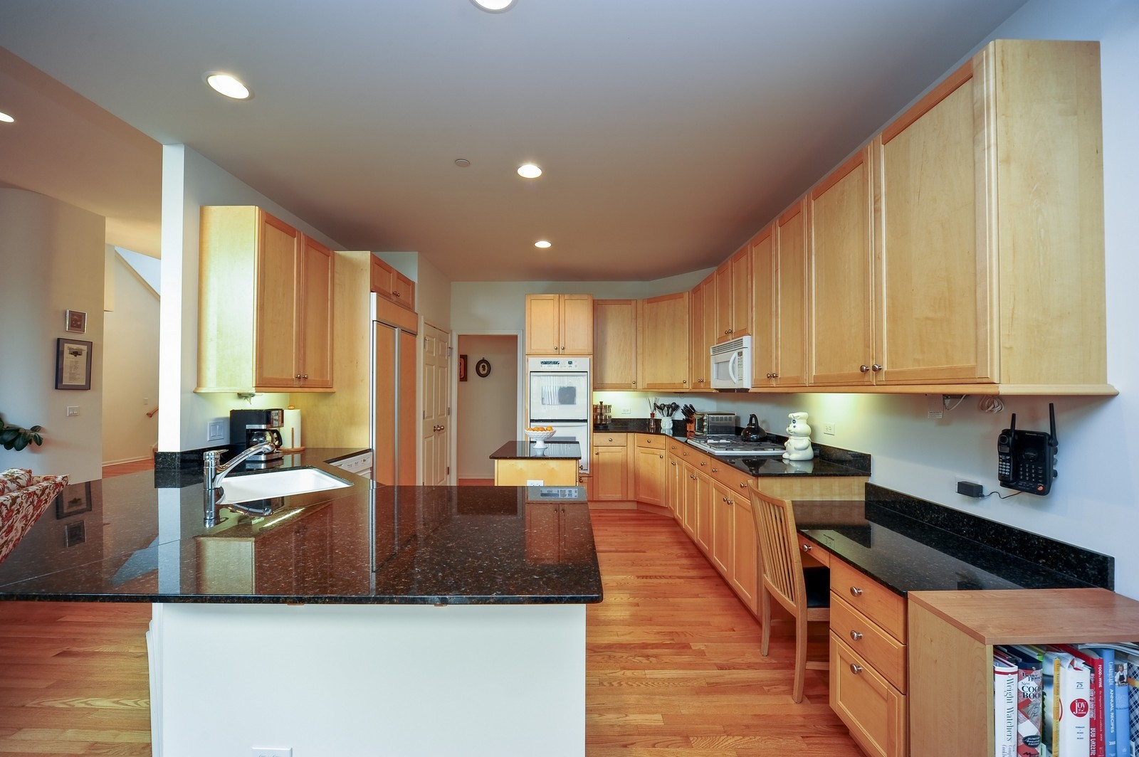 Real Estate Photography - 880 Spyglass, Highland Park, IL, 60035 - Kitchen