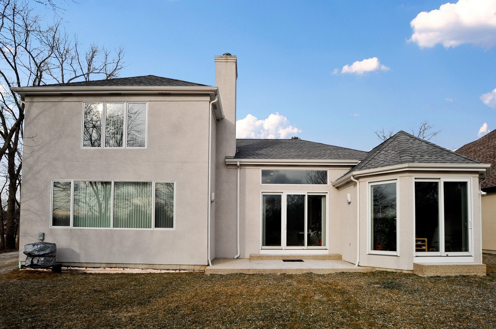 Real Estate Photography - 880 Spyglass, Highland Park, IL, 60035 - Rear View