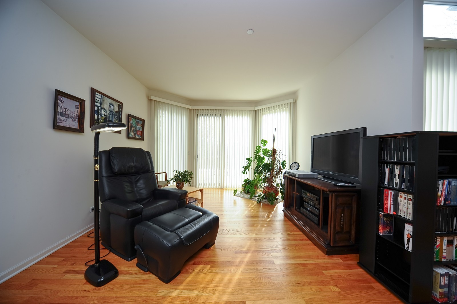Real Estate Photography - 880 Spyglass, Highland Park, IL, 60035 - Family Room / Dining Room