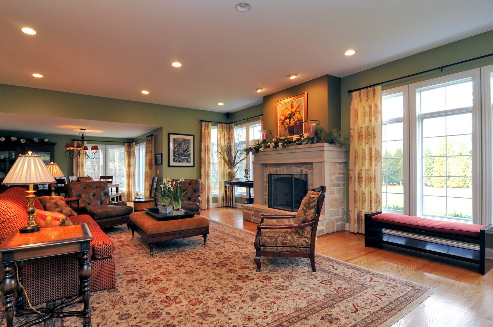 Real Estate Photography - 1916 Bowling Green, Lake Forest, IL, 60045 - Living Room
