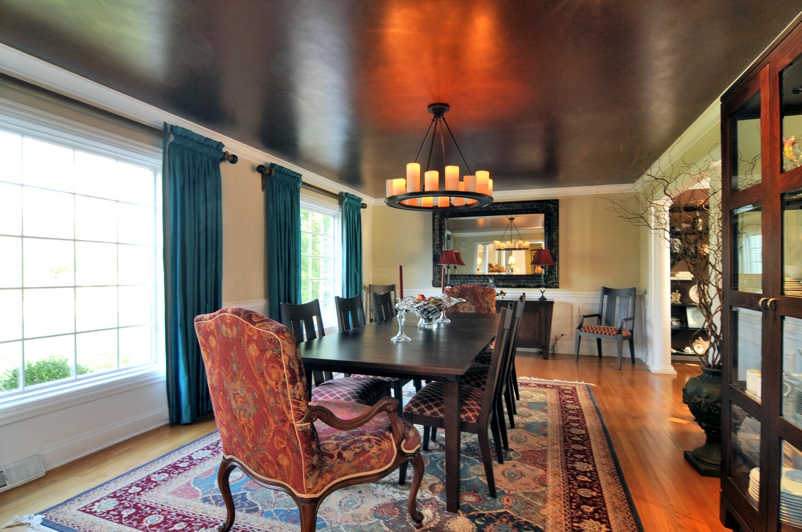Real Estate Photography - 1916 Bowling Green, Lake Forest, IL, 60045 - Dining Room