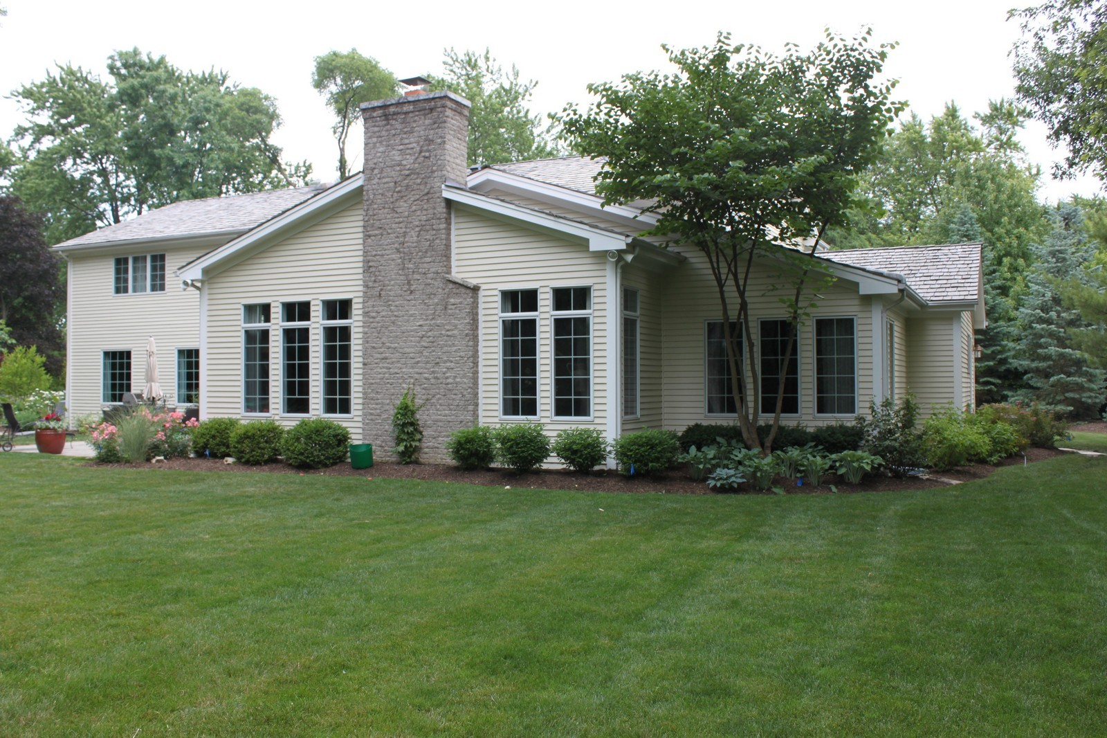 Real Estate Photography - 1916 Bowling Green, Lake Forest, IL, 60045 - Back Yard