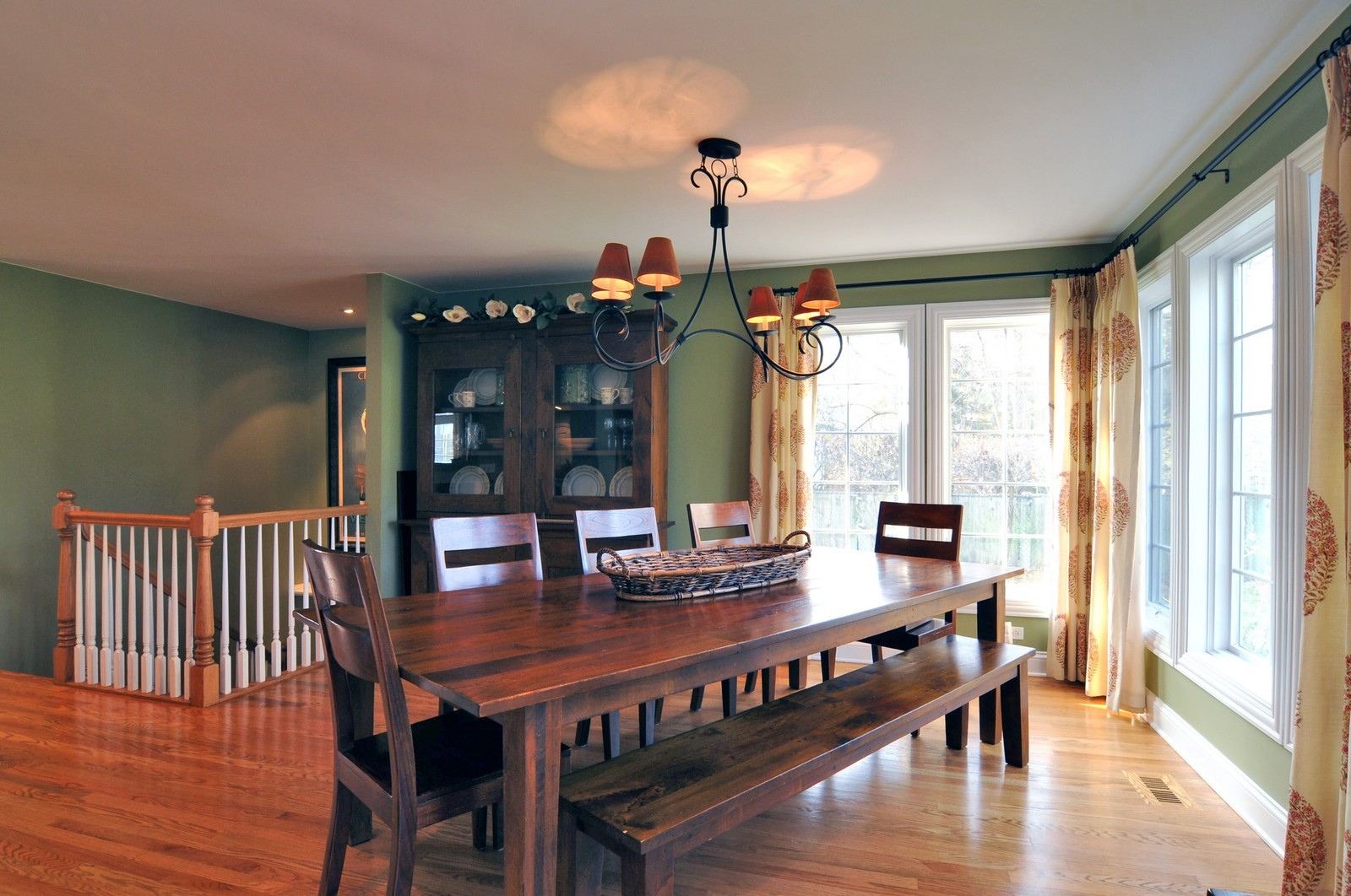 Real Estate Photography - 1916 Bowling Green, Lake Forest, IL, 60045 - Breakfast Area