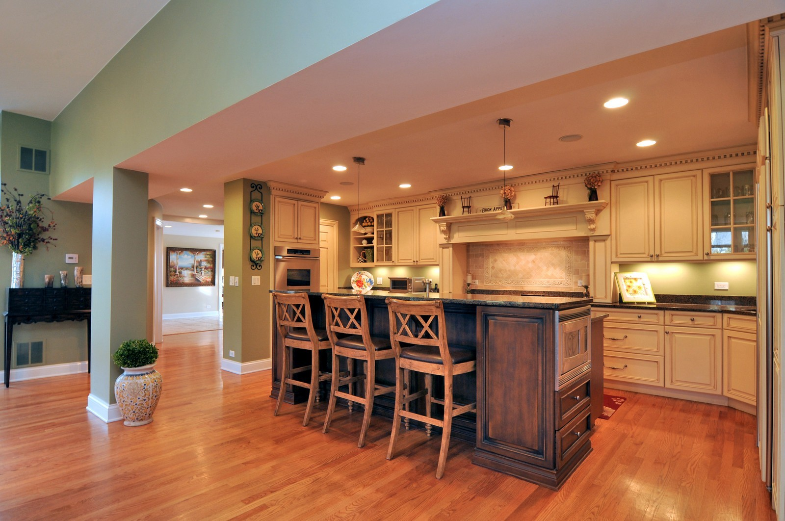 Real Estate Photography - 1916 Bowling Green, Lake Forest, IL, 60045 - Kitchen