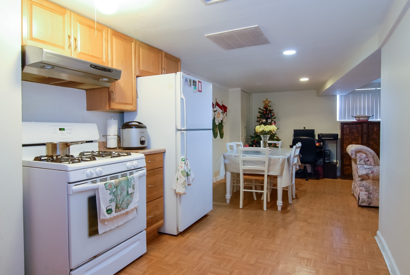 Real Estate Photography - 4435 Keokuk, Chicago, IL, 60630 - Kitchen