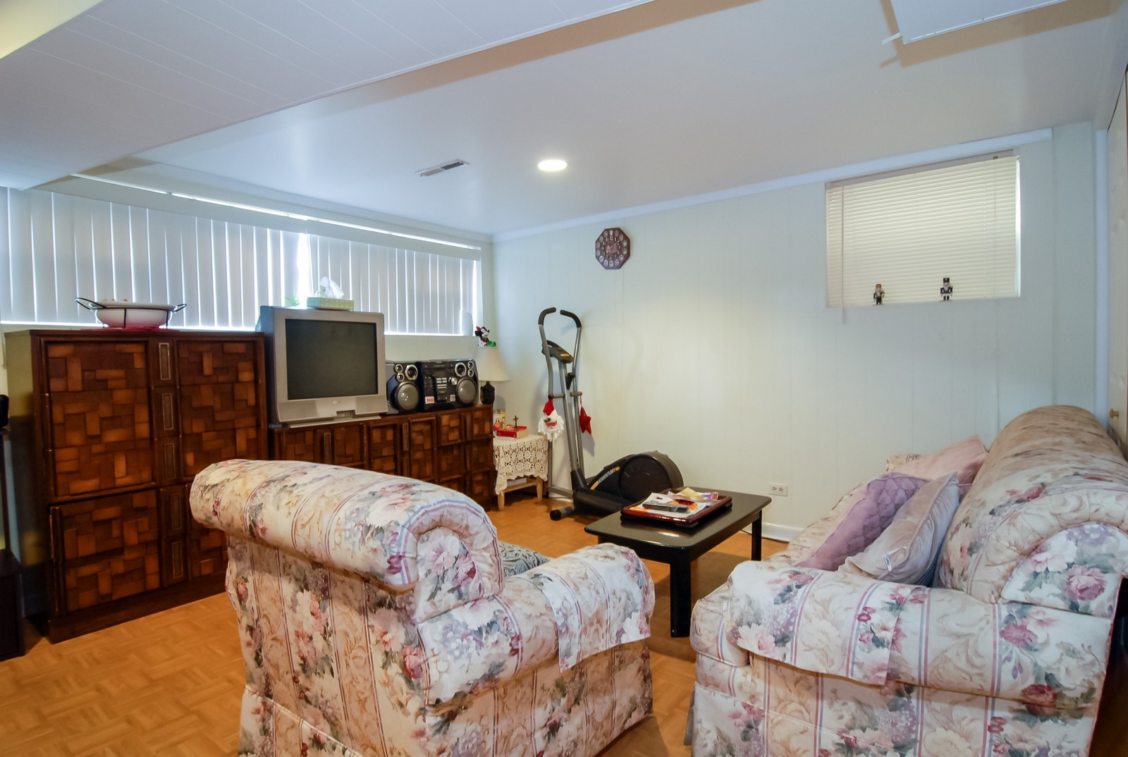Real Estate Photography - 4435 Keokuk, Chicago, IL, 60630 - Family Room