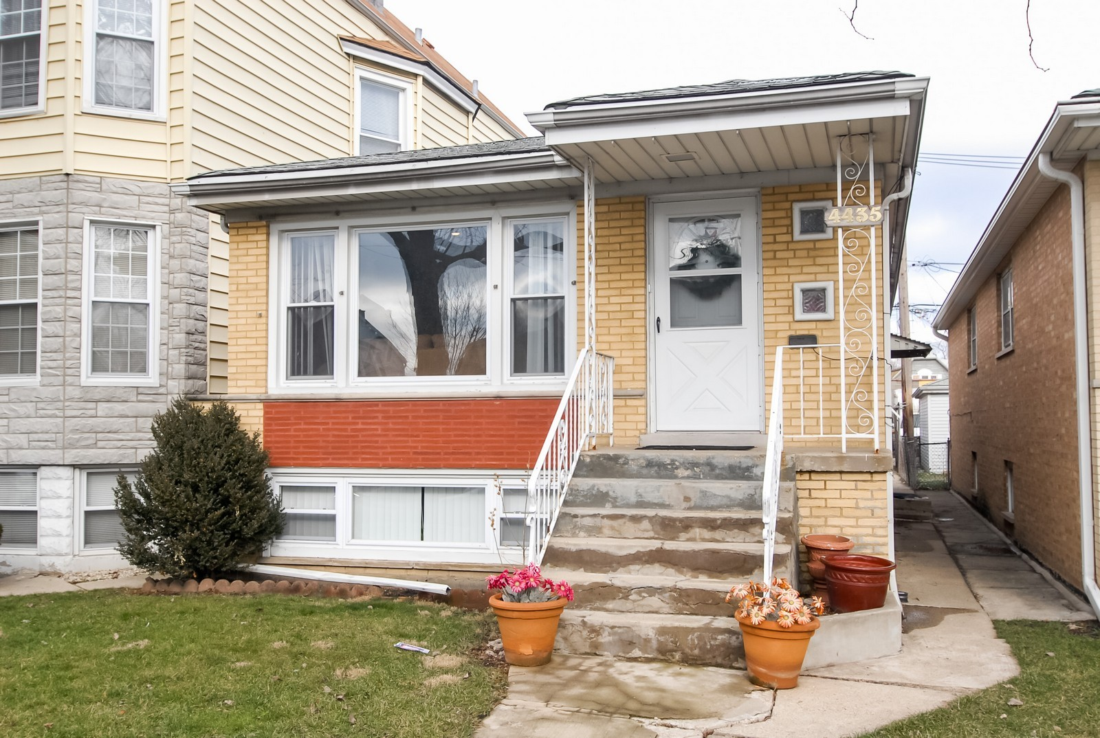 Real Estate Photography - 4435 Keokuk, Chicago, IL, 60630 - Front View