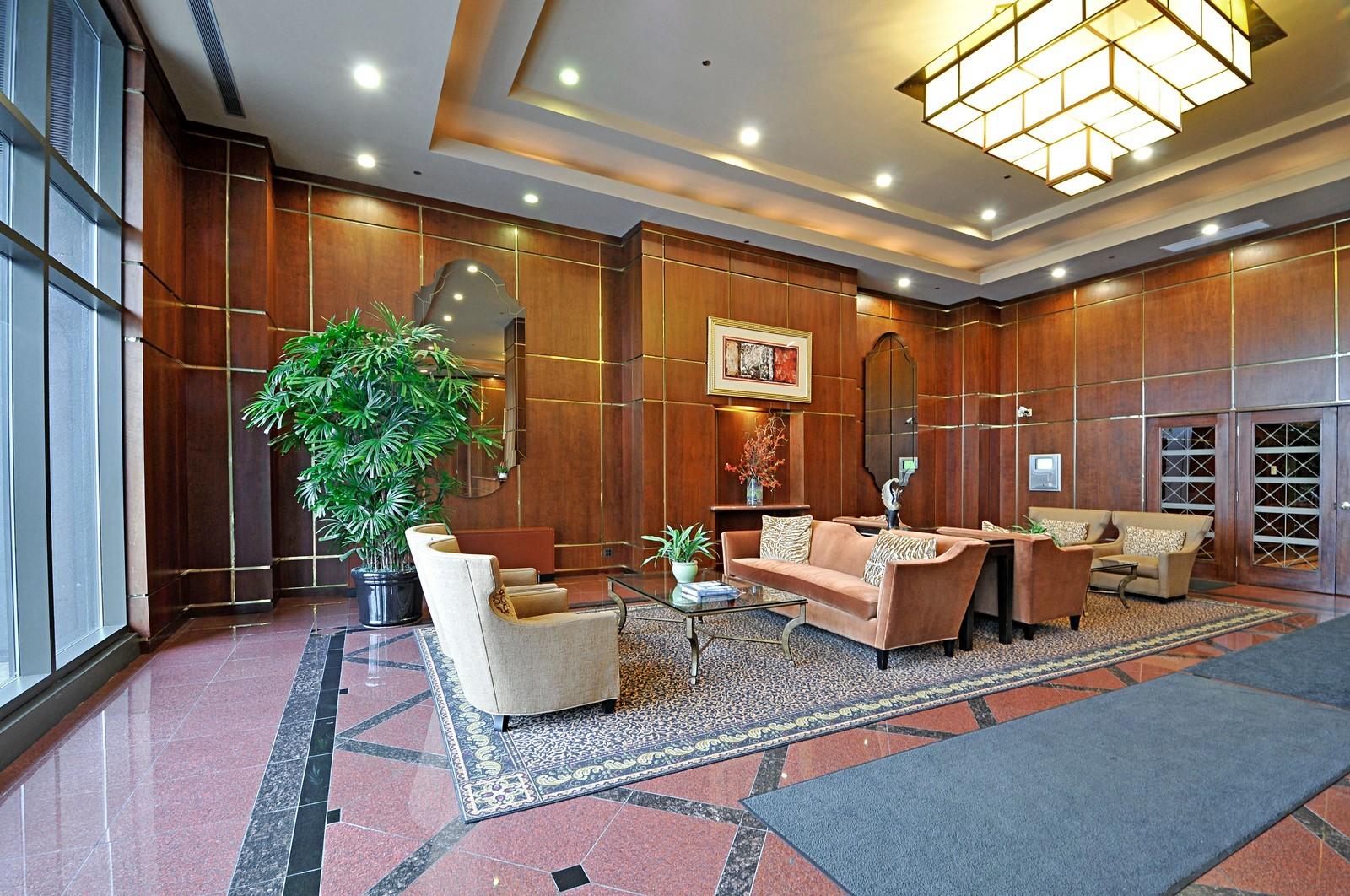 Real Estate Photography - 910 S Michigan, Unit 707, Chicago, IL, 60605 - Lobby