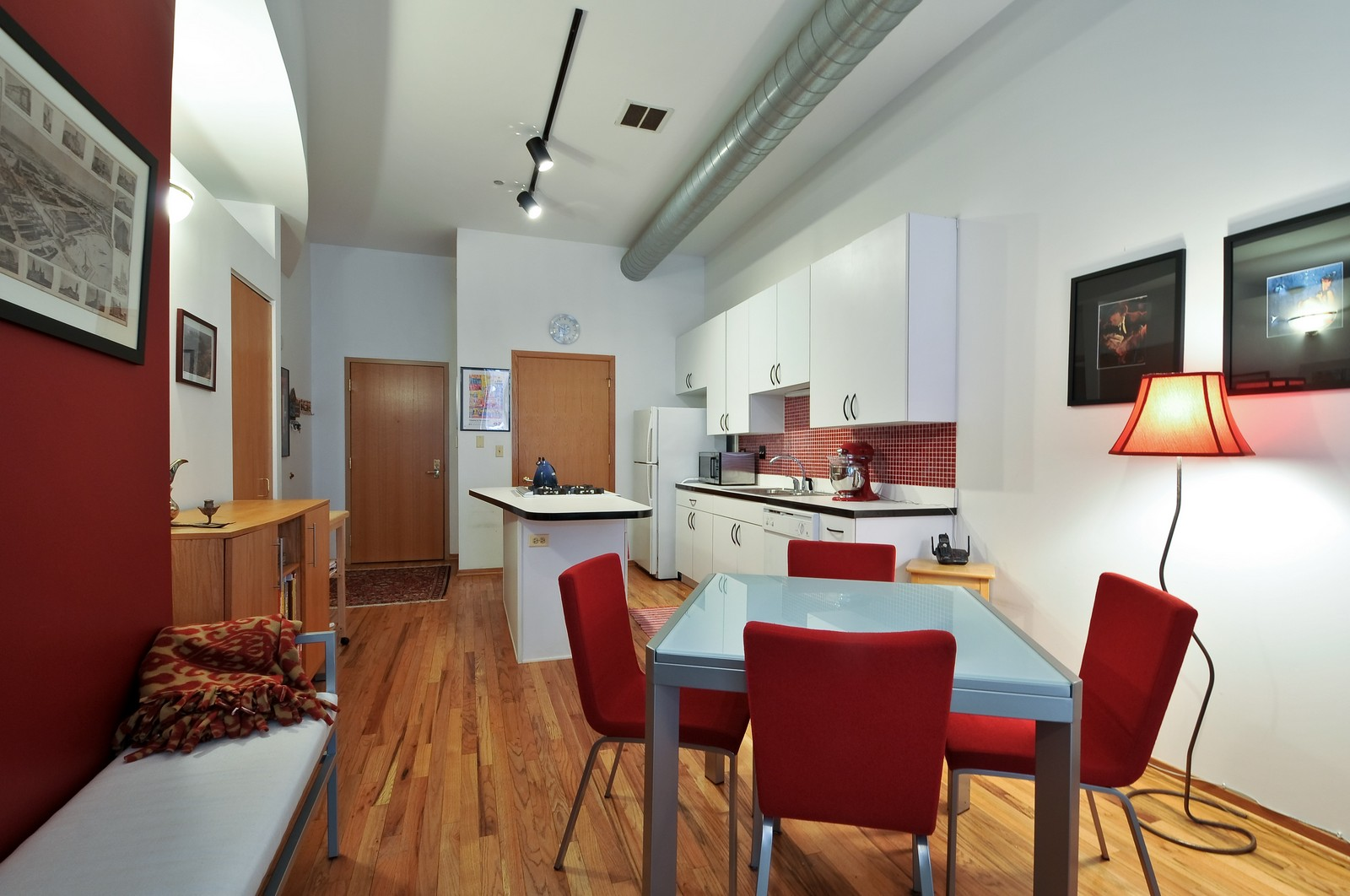 Real Estate Photography - 910 S Michigan, Unit 707, Chicago, IL, 60605 - Living Room / Dining Room