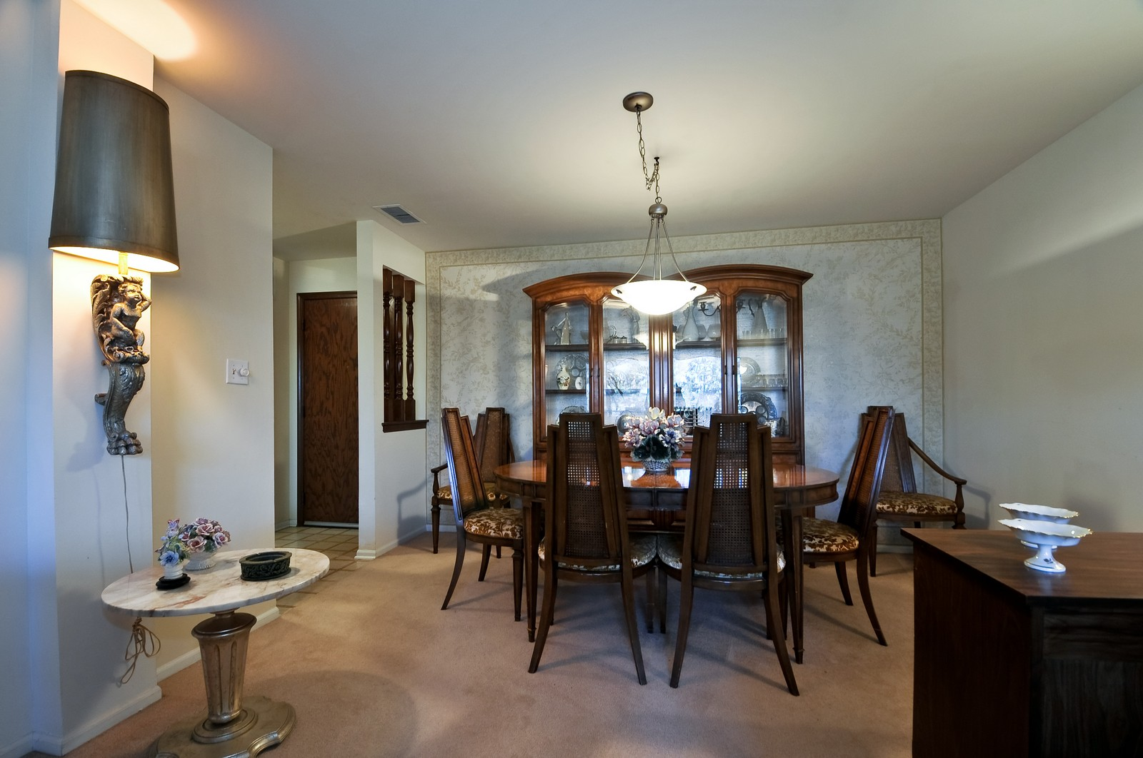 Real Estate Photography - 6400 N Cicero, Lincolnwood, IL, 60712 - Dining Room