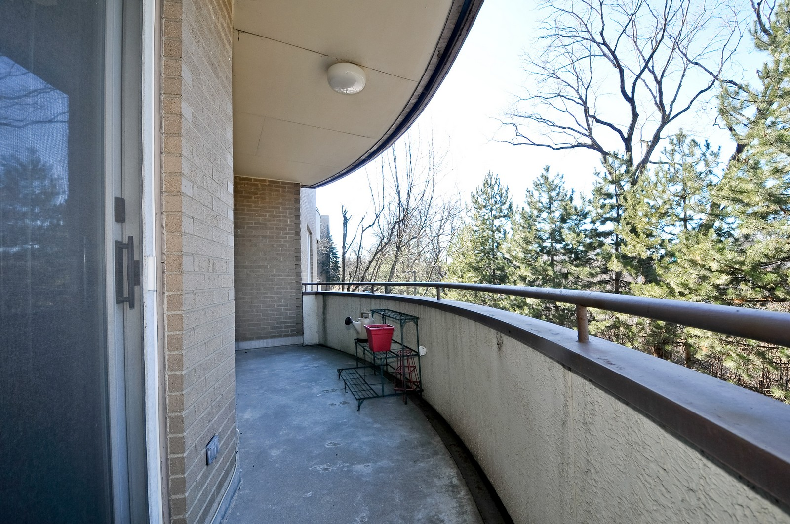 Real Estate Photography - 6400 N Cicero, Lincolnwood, IL, 60712 - Deck