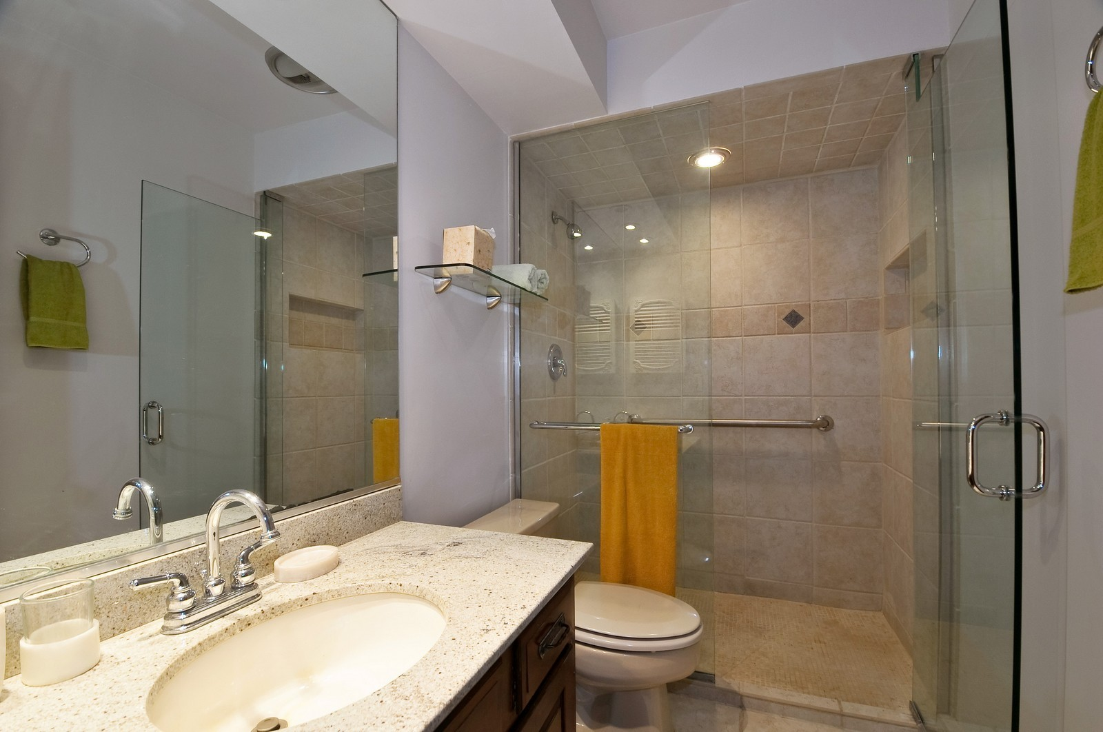 Real Estate Photography - 6400 N Cicero, Lincolnwood, IL, 60712 - Bathroom