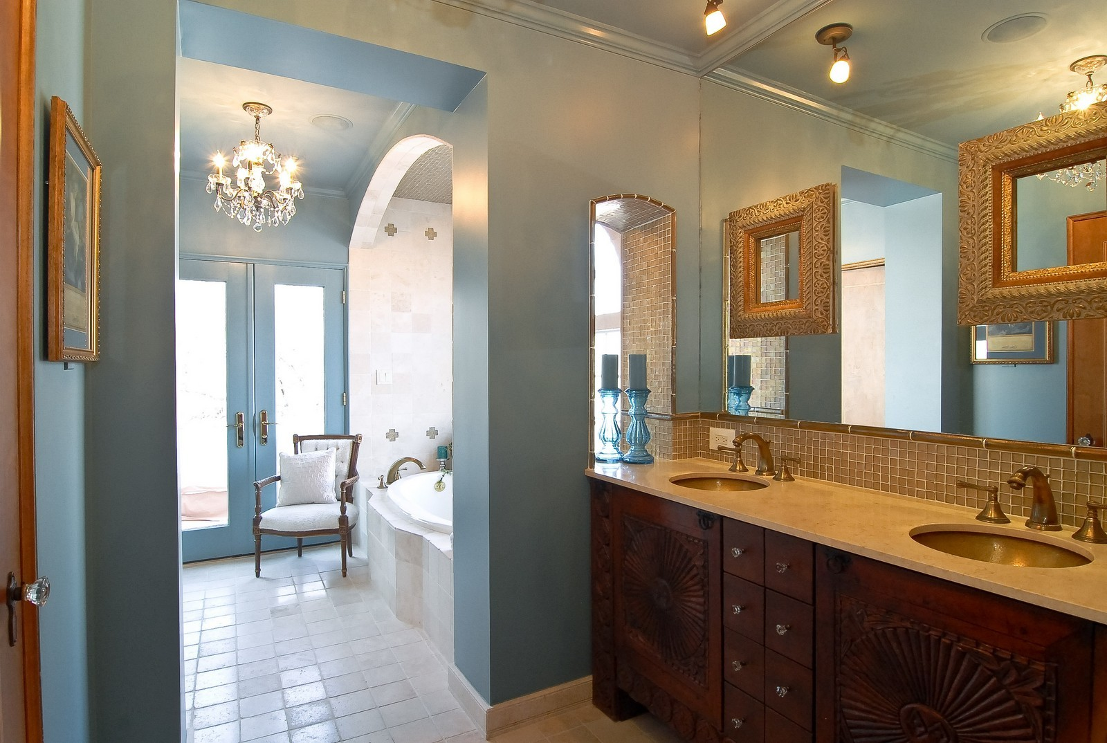 Real Estate Photography - 918 Jackson Ave, River Forest, IL, 60305 - Master Bathroom