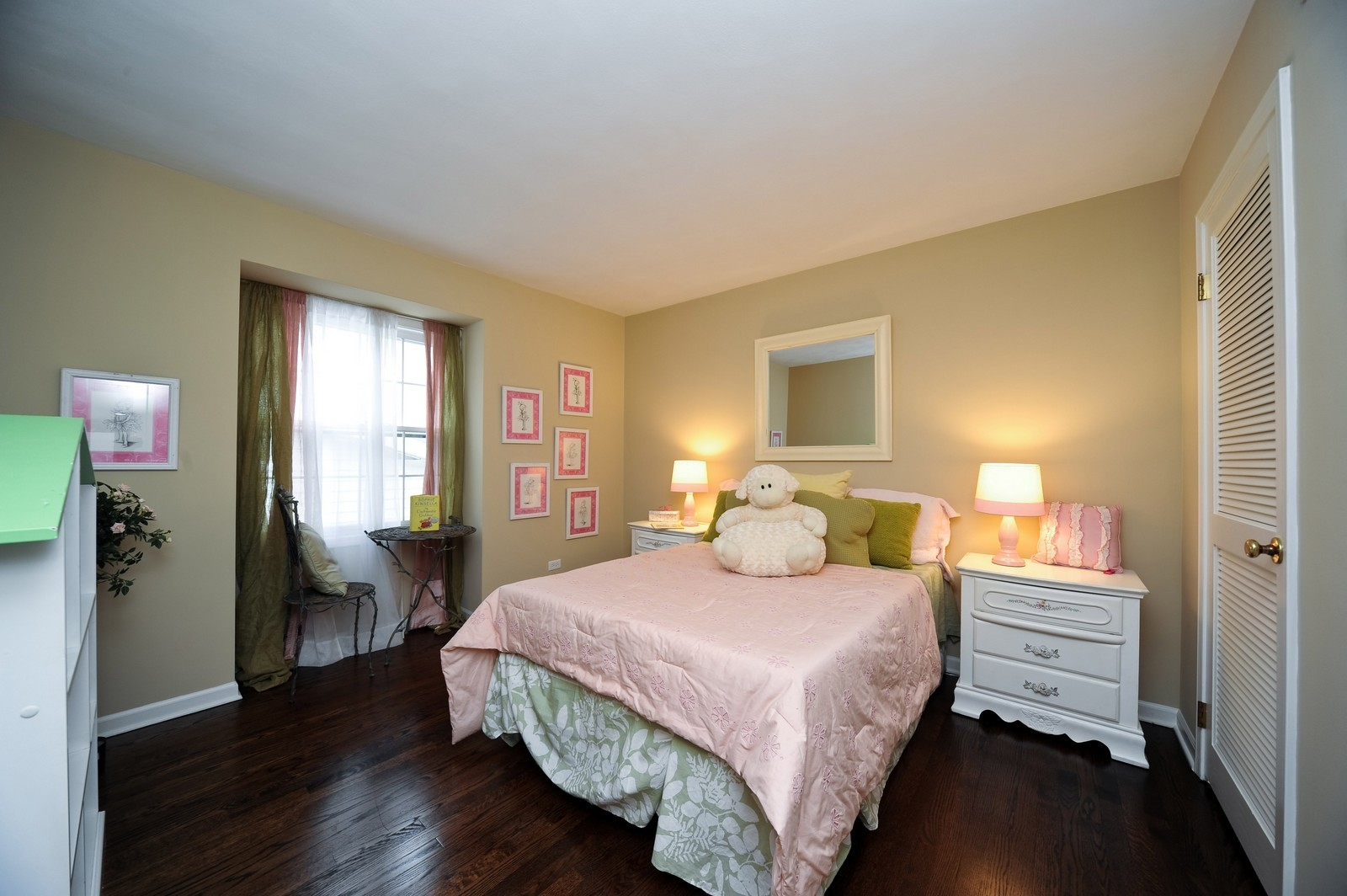 Real Estate Photography - 251 Grandview Ave., Glen Ellyn, IL, 60137 - 2nd Bedroom