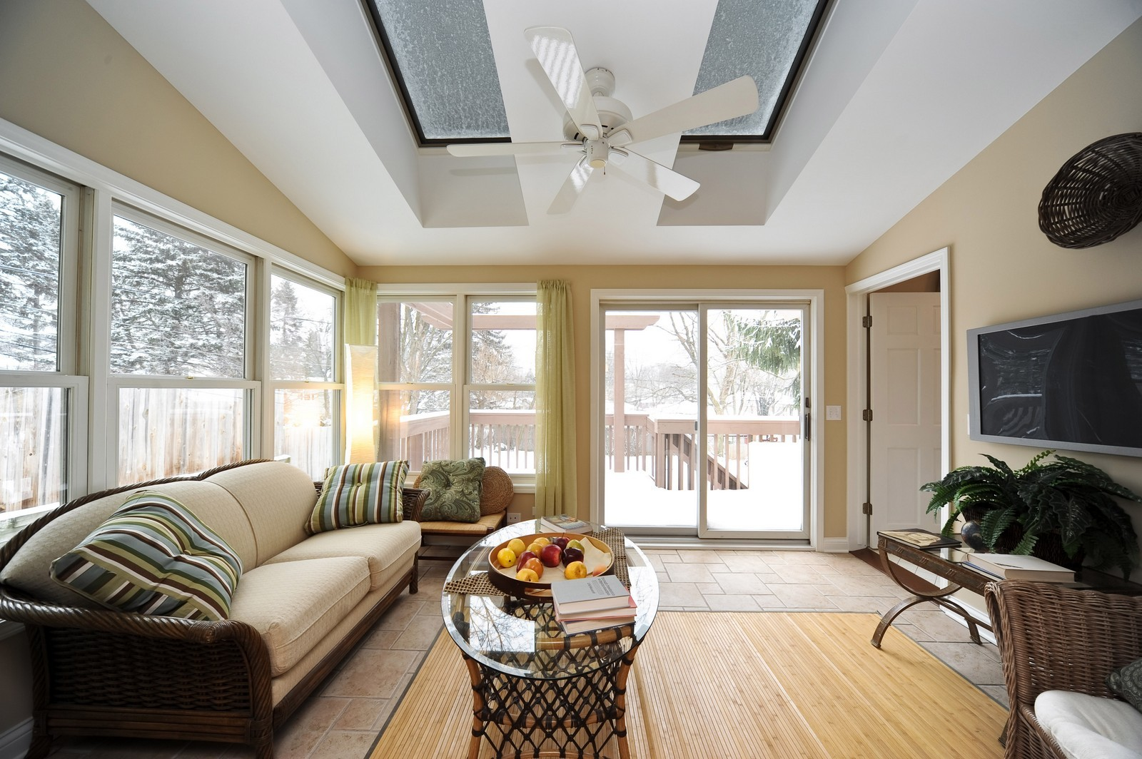 Real Estate Photography - 251 Grandview Ave., Glen Ellyn, IL, 60137 - Sunroom