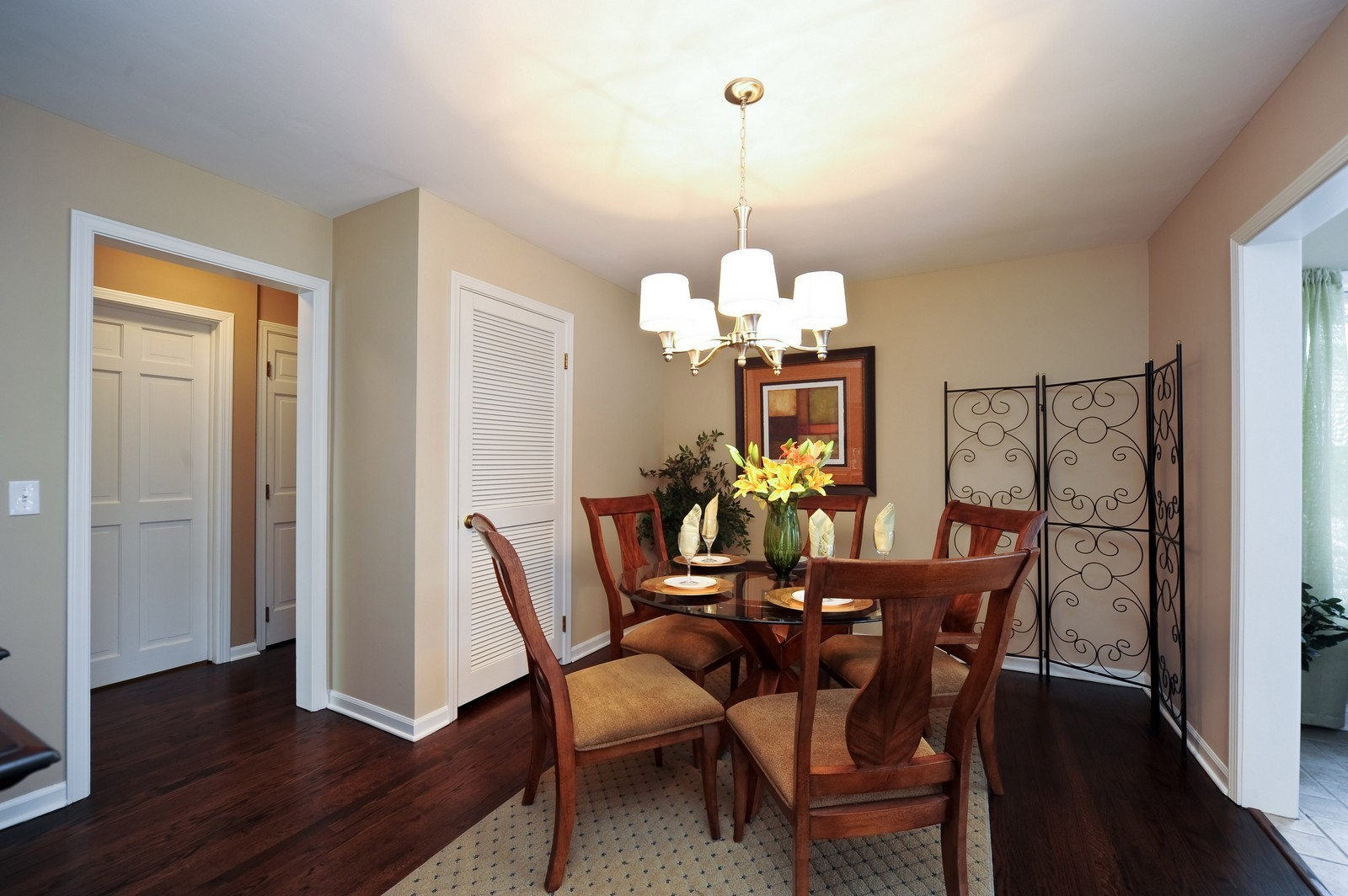 Real Estate Photography - 251 Grandview Ave., Glen Ellyn, IL, 60137 - Dining Room