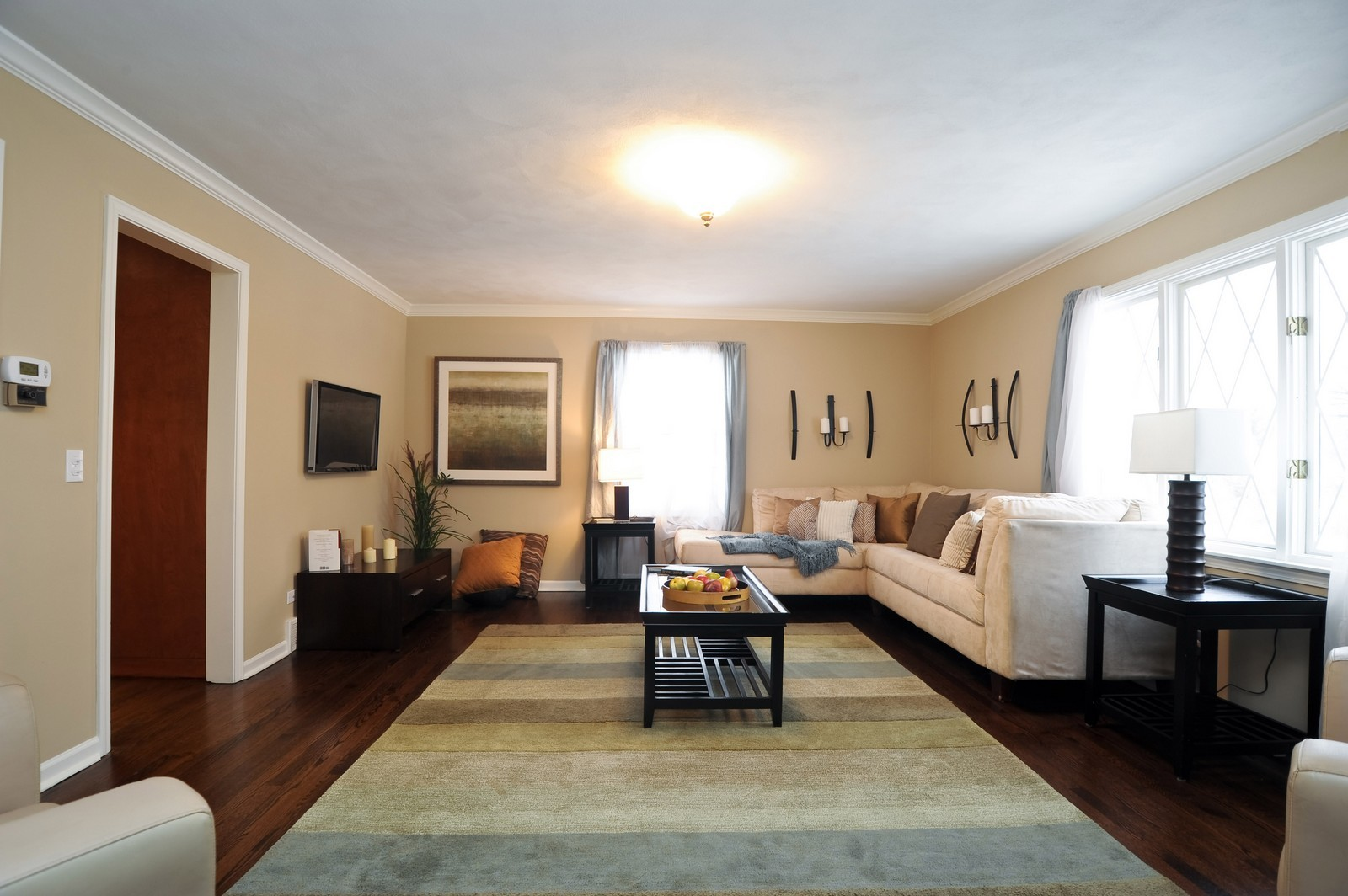 Real Estate Photography - 251 Grandview Ave., Glen Ellyn, IL, 60137 - Family Room