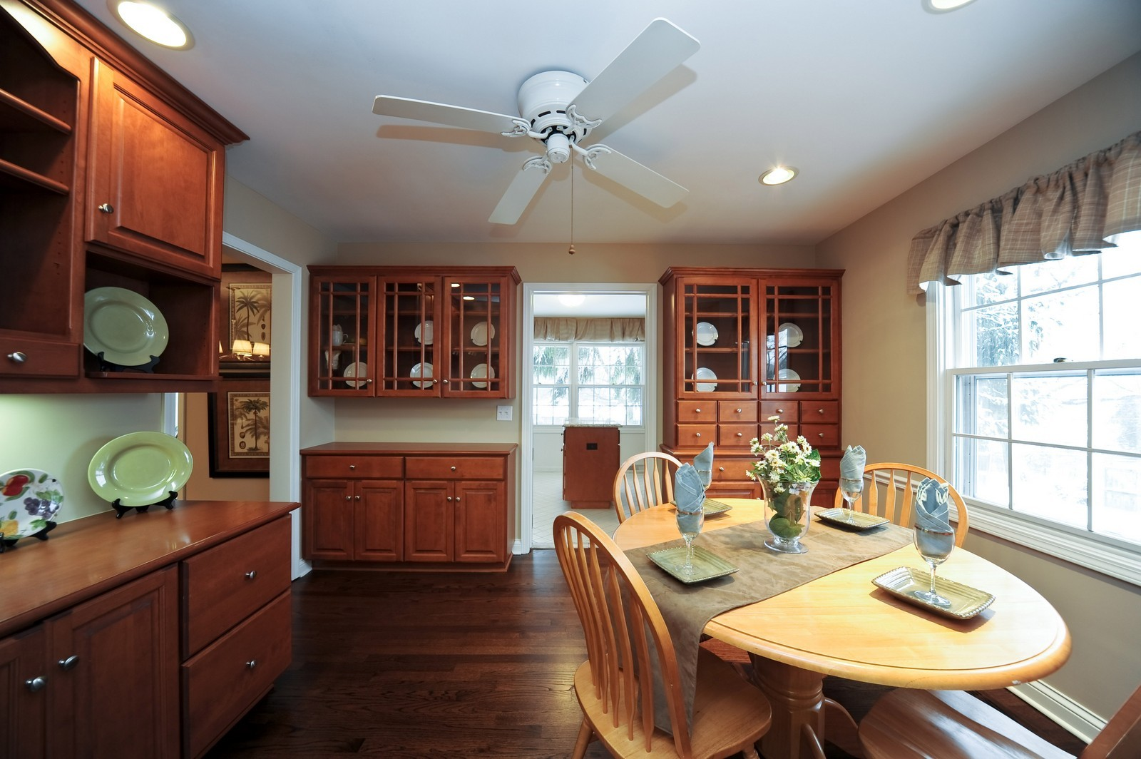 Real Estate Photography - 251 Grandview Ave., Glen Ellyn, IL, 60137 - Breakfast Room