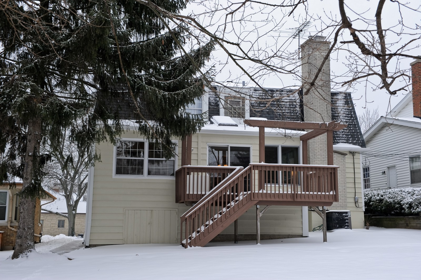 Real Estate Photography - 251 Grandview Ave., Glen Ellyn, IL, 60137 - Rear View