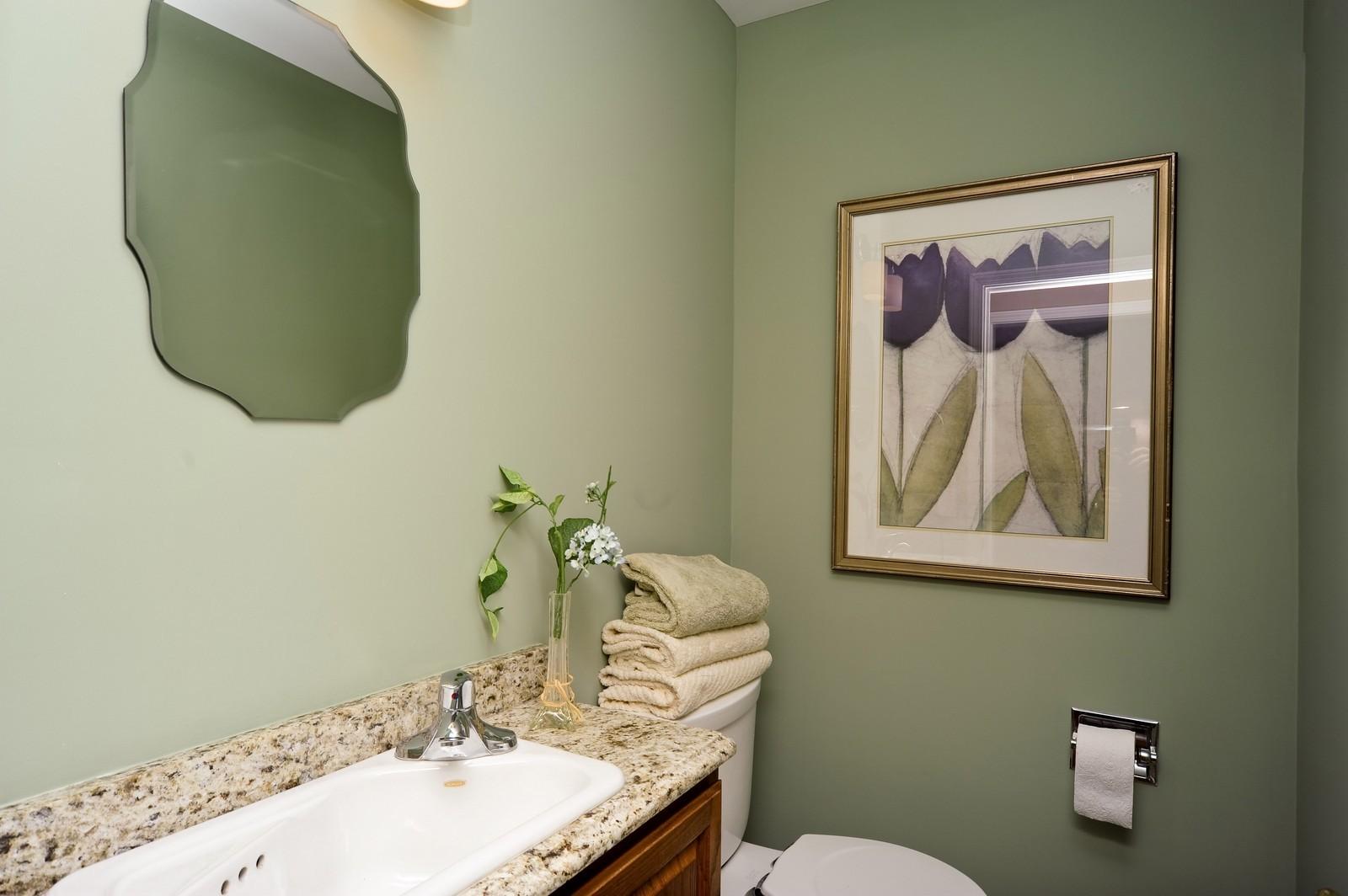 Real Estate Photography - 251 Grandview Ave., Glen Ellyn, IL, 60137 - Bathroom