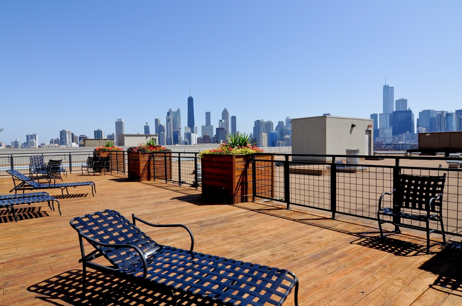 Real Estate Photography - 900 N Kingsbury, Unit 969, Chicago, IL, 60654 - Roof