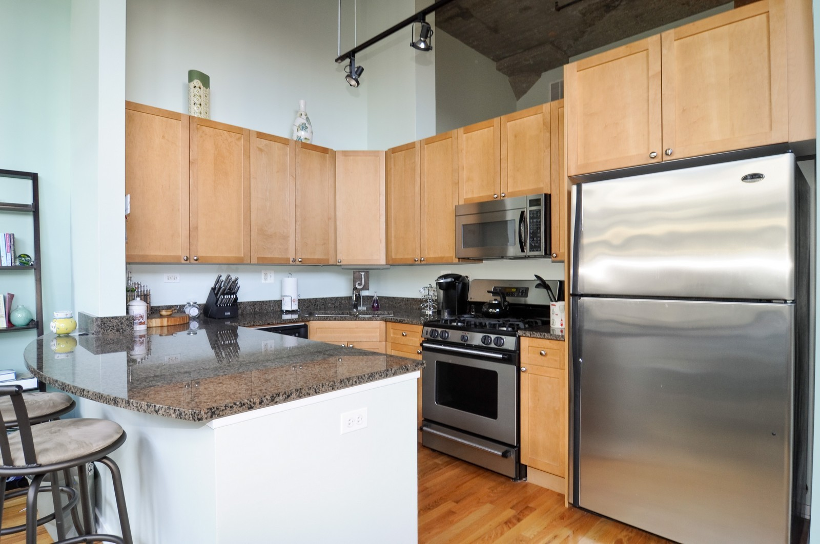 Real Estate Photography - 900 N Kingsbury, Unit 969, Chicago, IL, 60654 - Kitchen