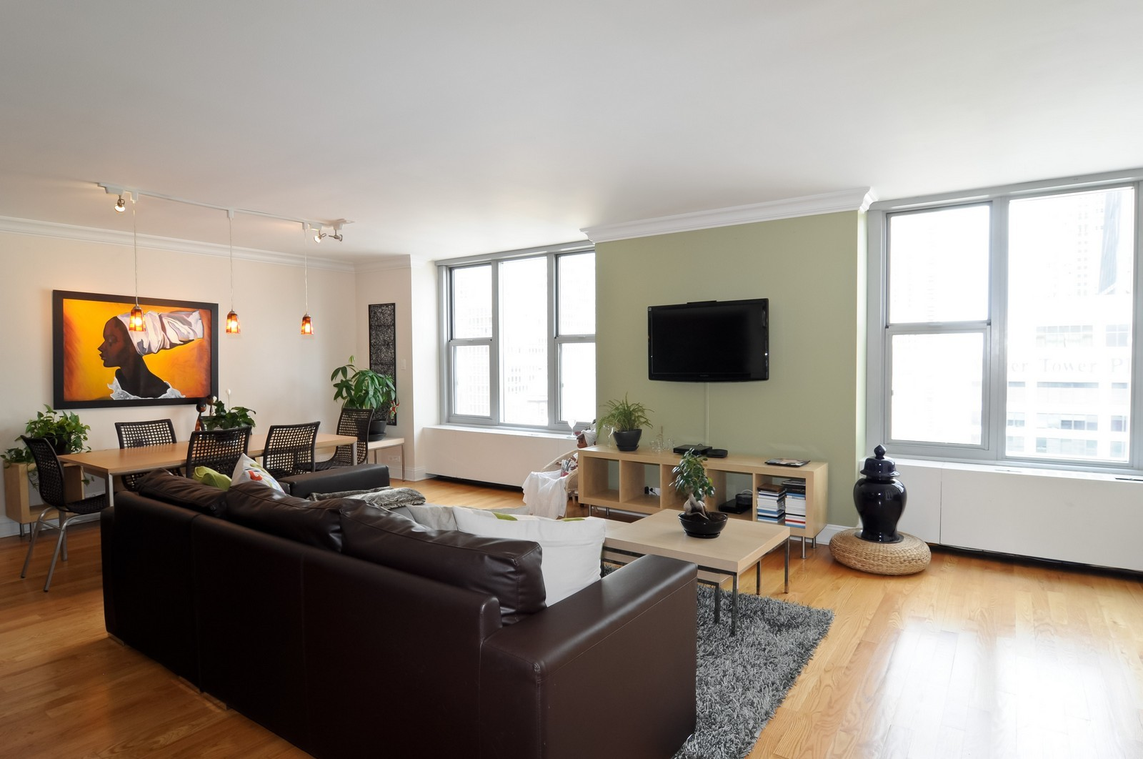 Real Estate Photography - 777 N. Michigan Ave., 2000, Chicago, IL, 60611 - Living Room