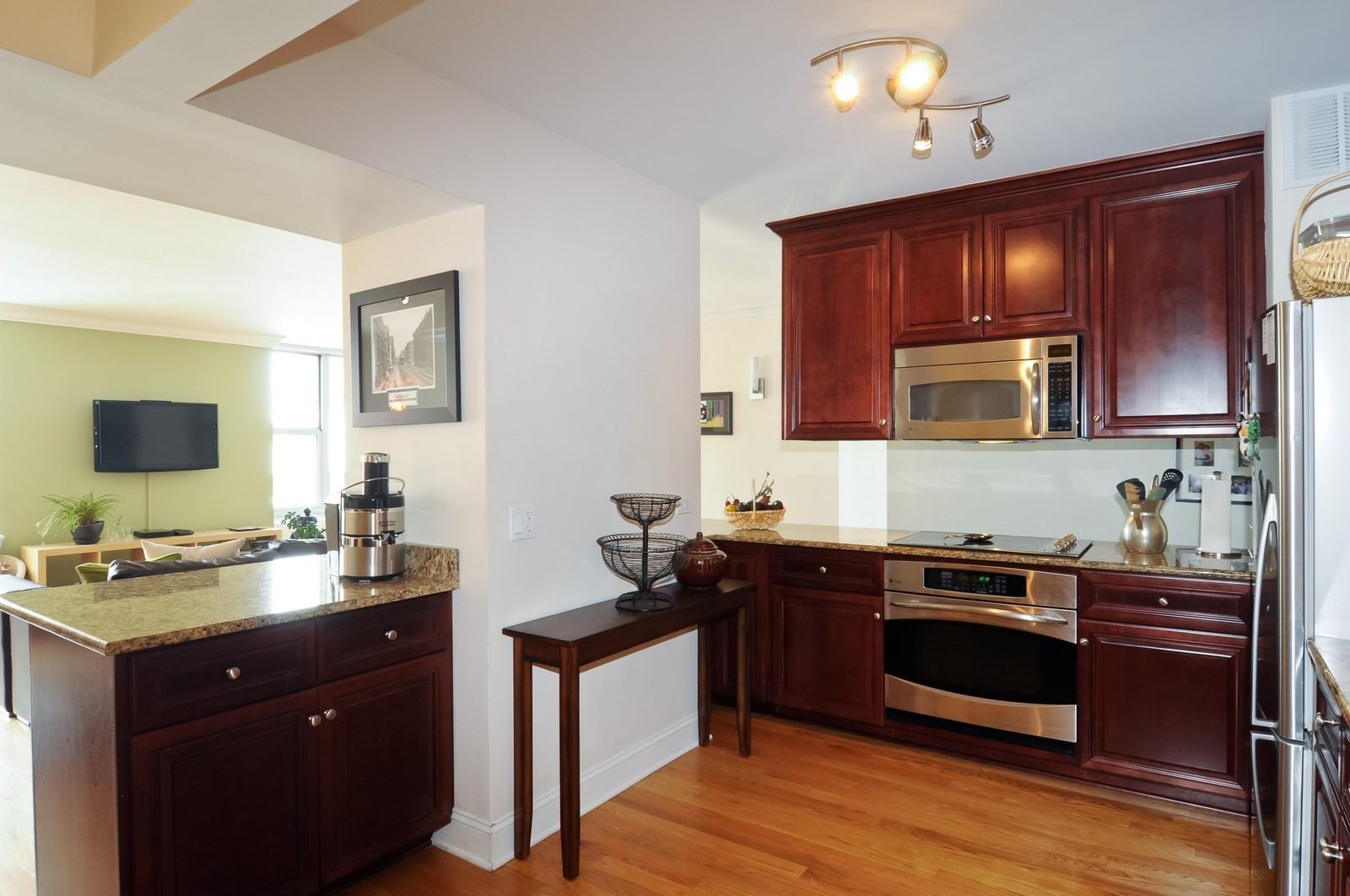 Real Estate Photography - 777 N. Michigan Ave., 2000, Chicago, IL, 60611 - Kitchen
