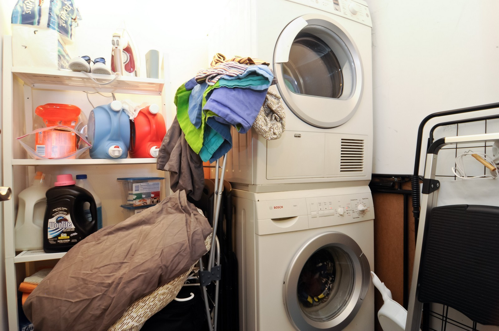 Real Estate Photography - 777 N. Michigan Ave., 2000, Chicago, IL, 60611 - Laundry Room