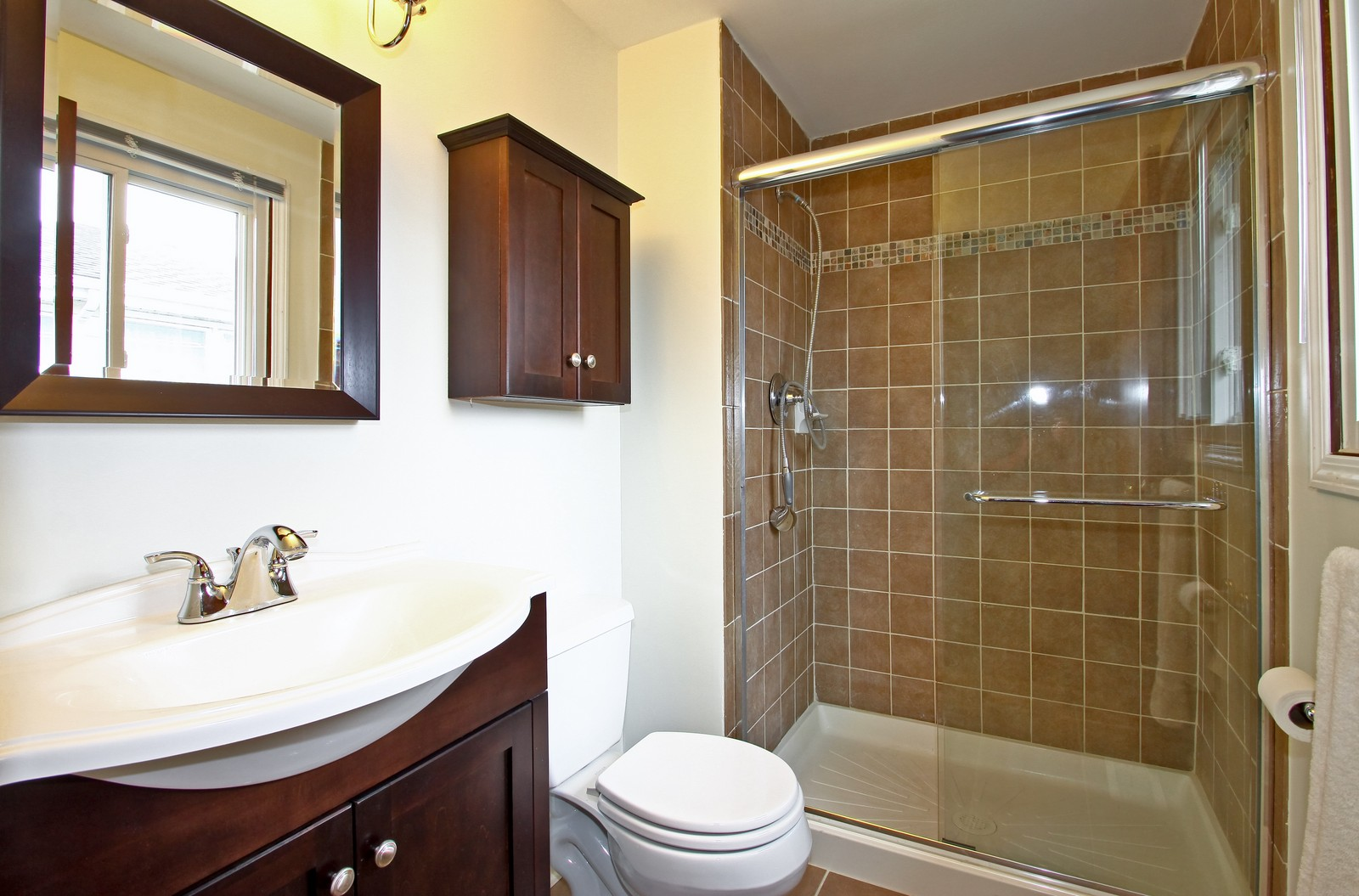 Real Estate Photography - 3133 N Stratford, Arlington Heights, IL, 60004 - Master Bathroom