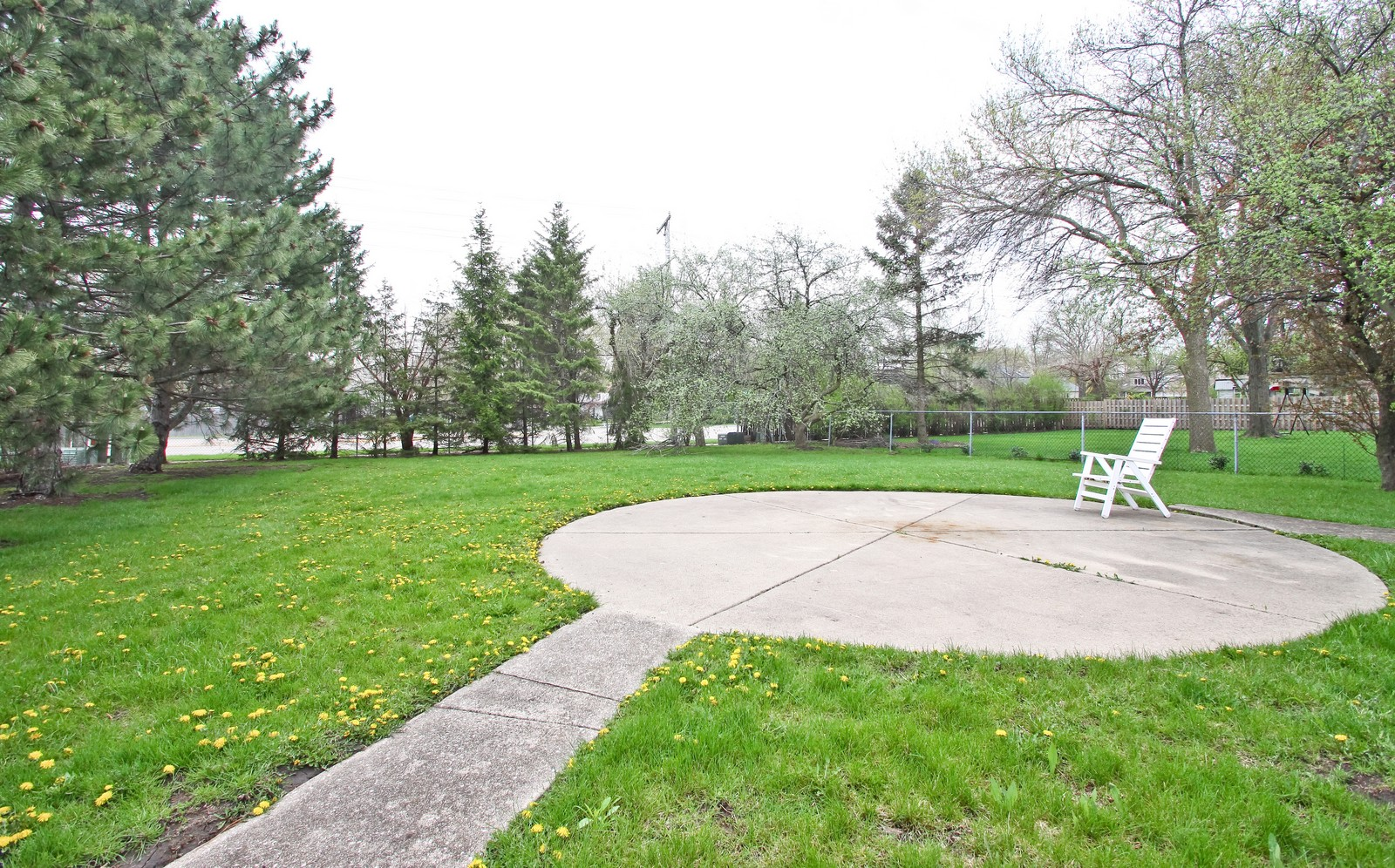 Real Estate Photography - 3133 N Stratford, Arlington Heights, IL, 60004 - Back Yard