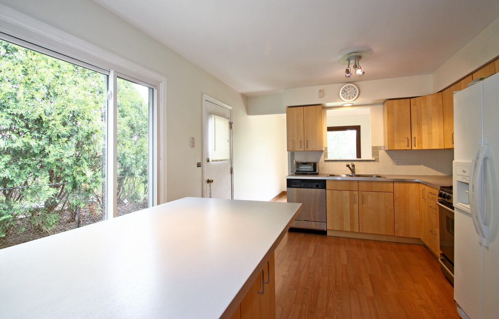 Real Estate Photography - 3133 N Stratford, Arlington Heights, IL, 60004 - Kitchen
