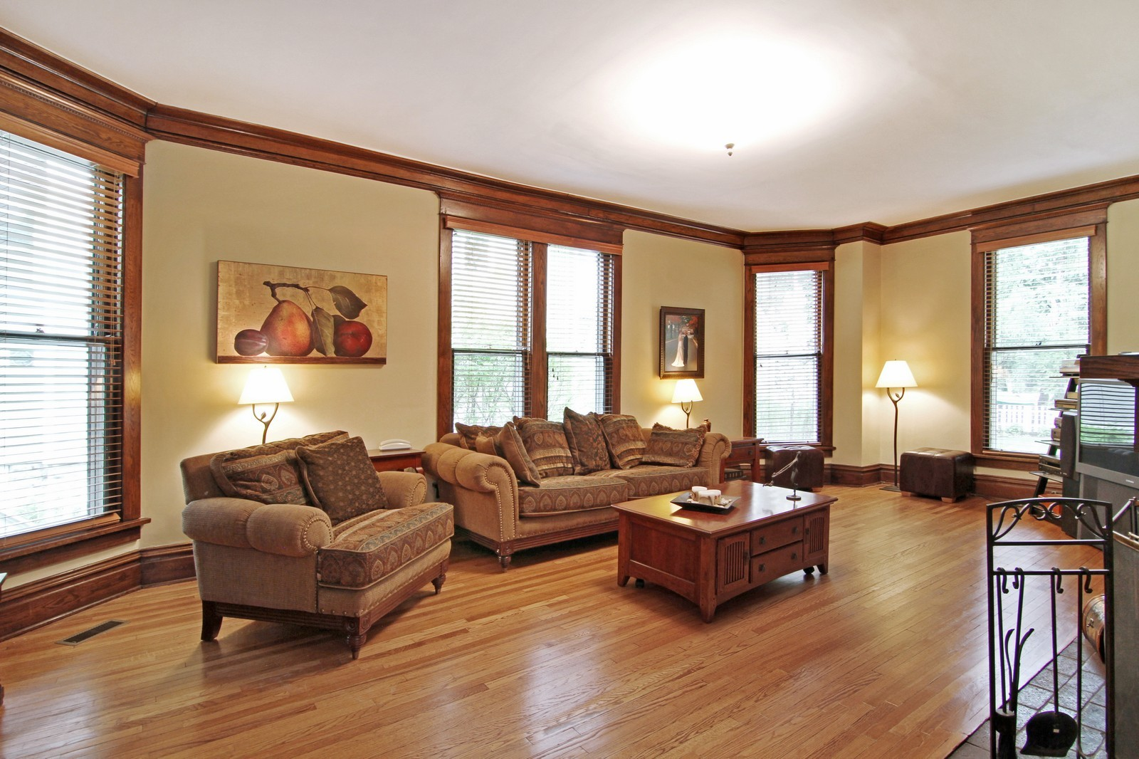 Real Estate Photography - 228 LaGrange Rd, La Grange, IL, 60525 - Great Room
