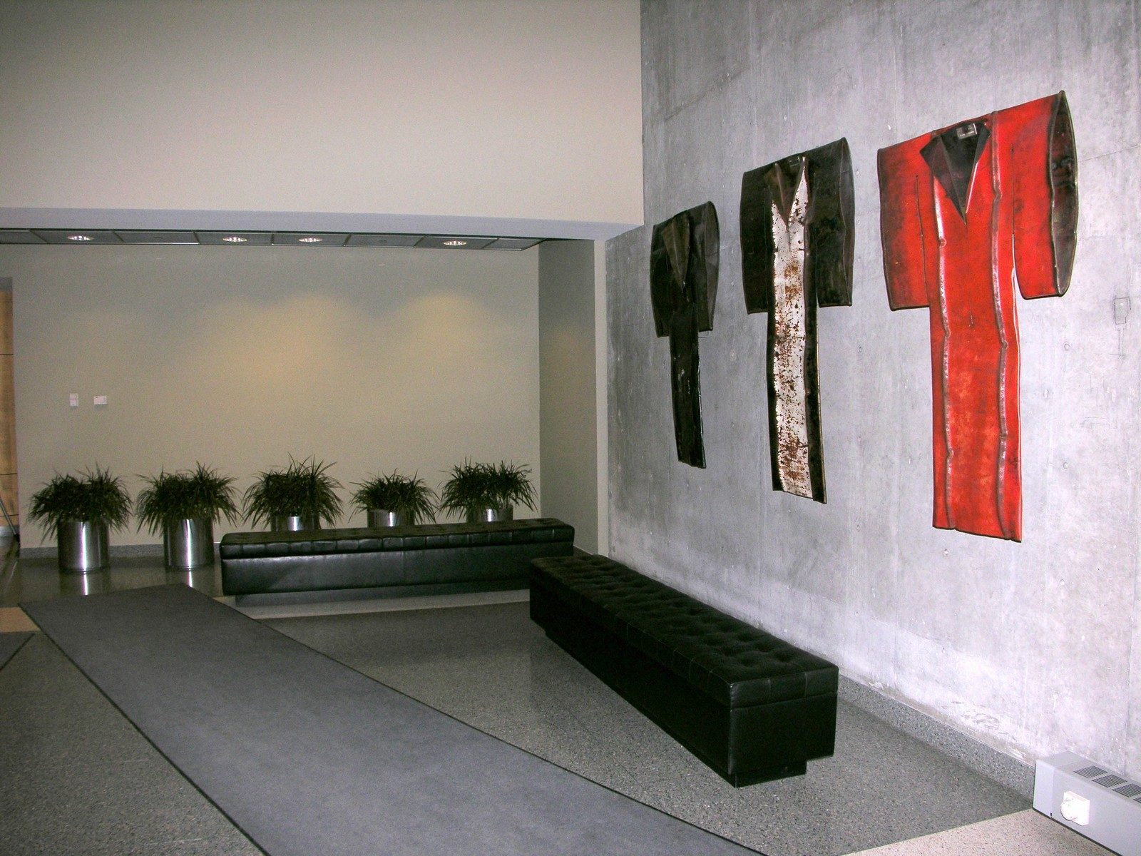 Real Estate Photography - 720 N Larrabee, Apt 1610, Chicago, IL, 60654 - Lobby
