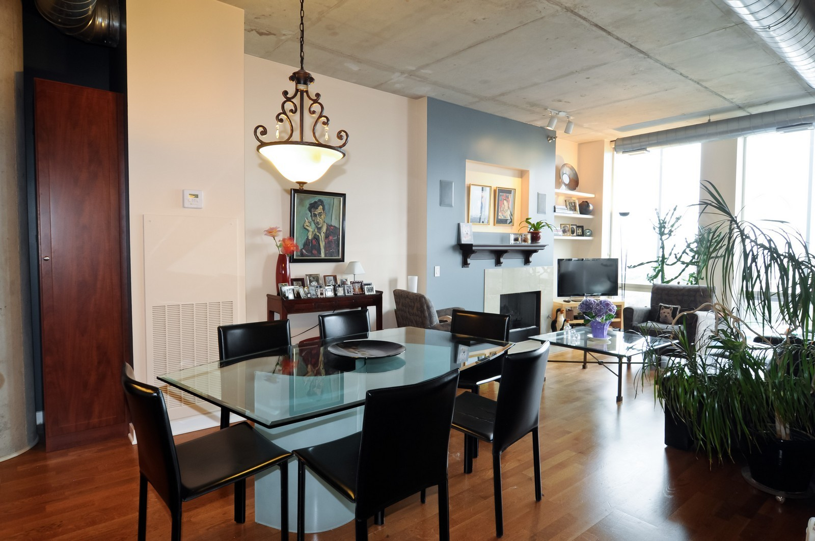 Real Estate Photography - 720 N Larrabee, Apt 1610, Chicago, IL, 60654 - Dining Room