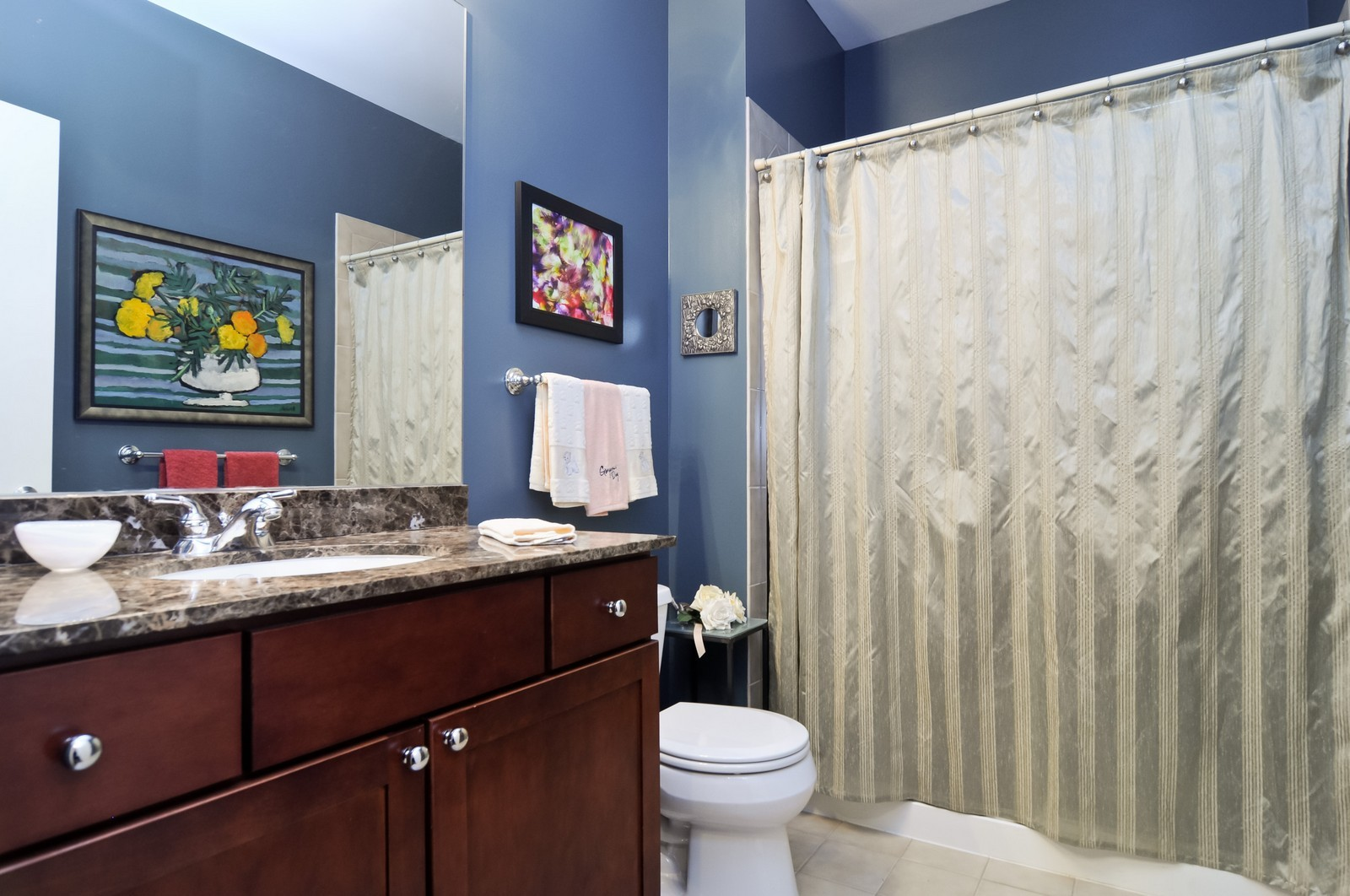 Real Estate Photography - 720 N Larrabee, Apt 1610, Chicago, IL, 60654 - Bathroom