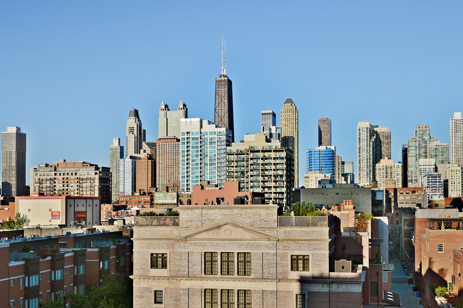 Real Estate Photography - 525 W. Superior #527, Chicago, IL, 60654 - City View