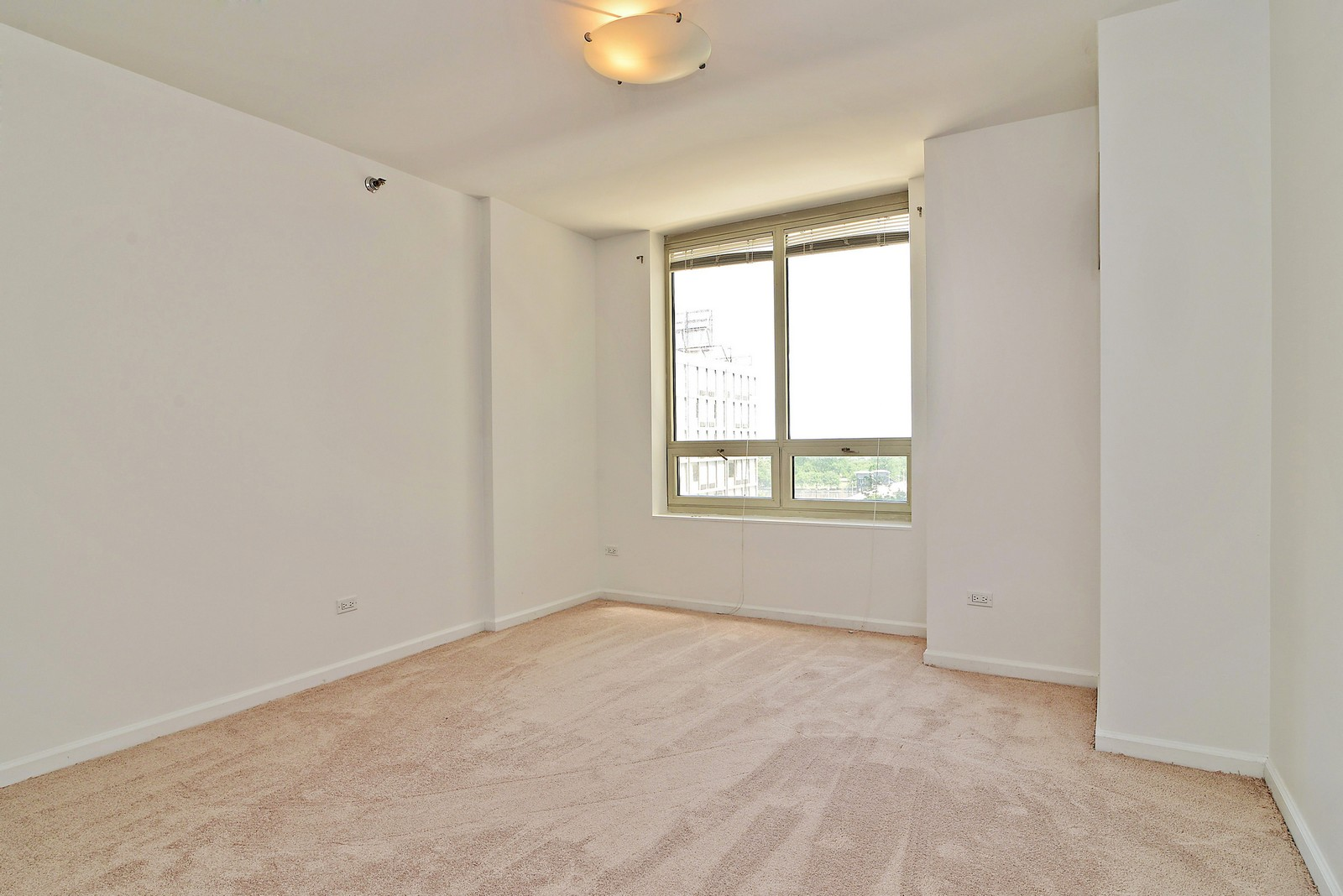Real Estate Photography - 1111 S Wabash, Apt 703, Chicago, IL, 60605 - Master Bedroom